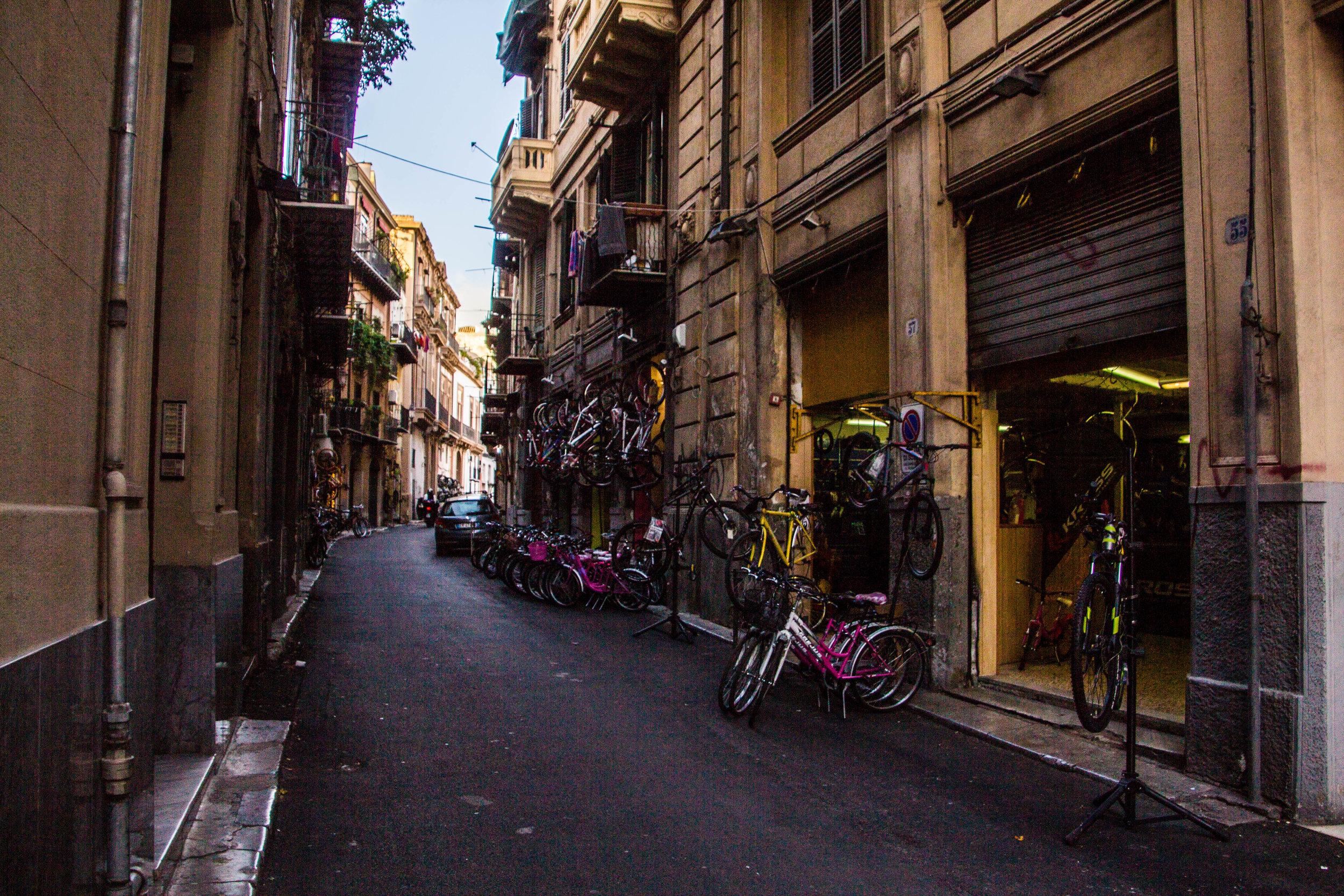 street-photography-palermo-sicily-1.jpg