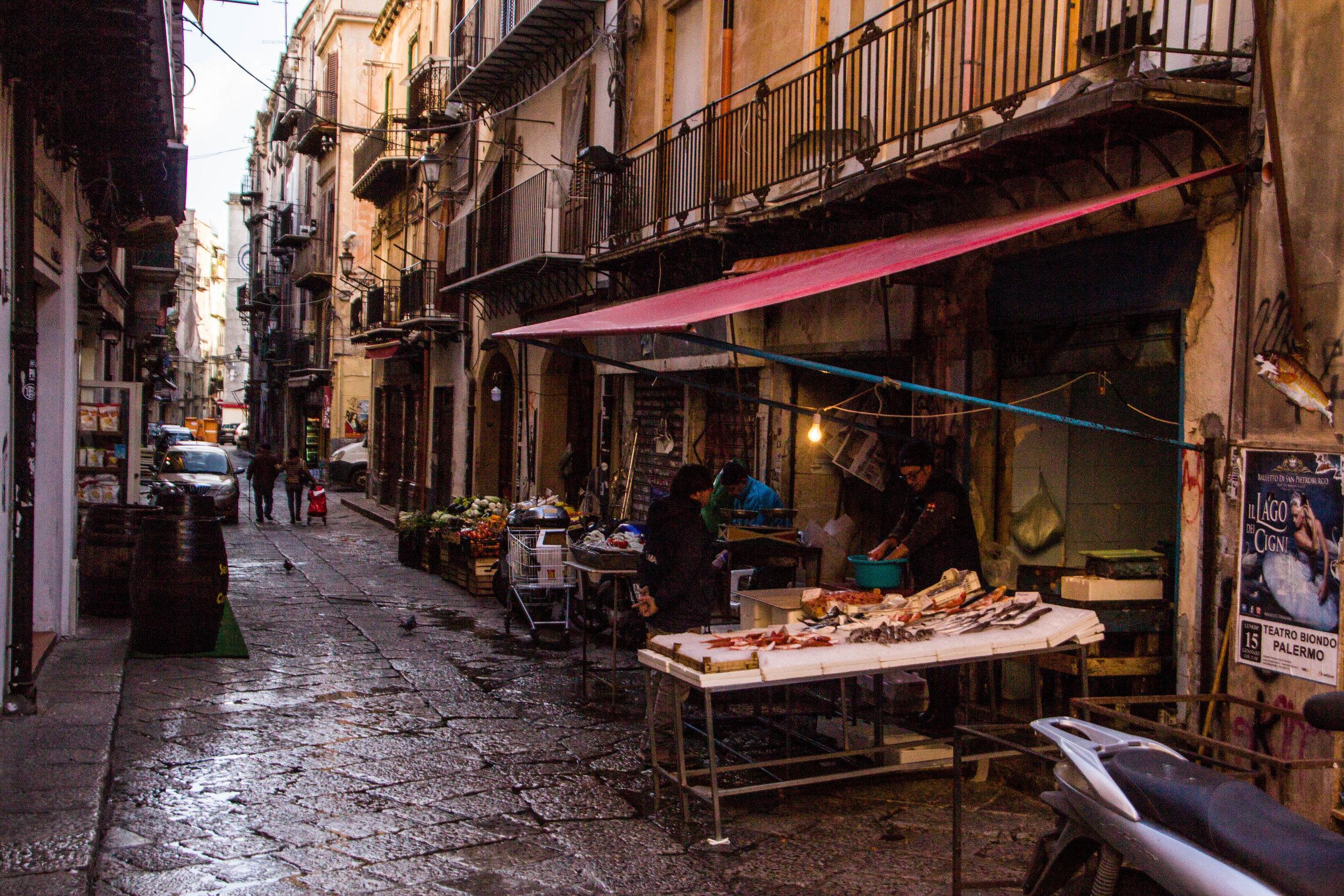 street-photography-palermo-sicily-25.jpg