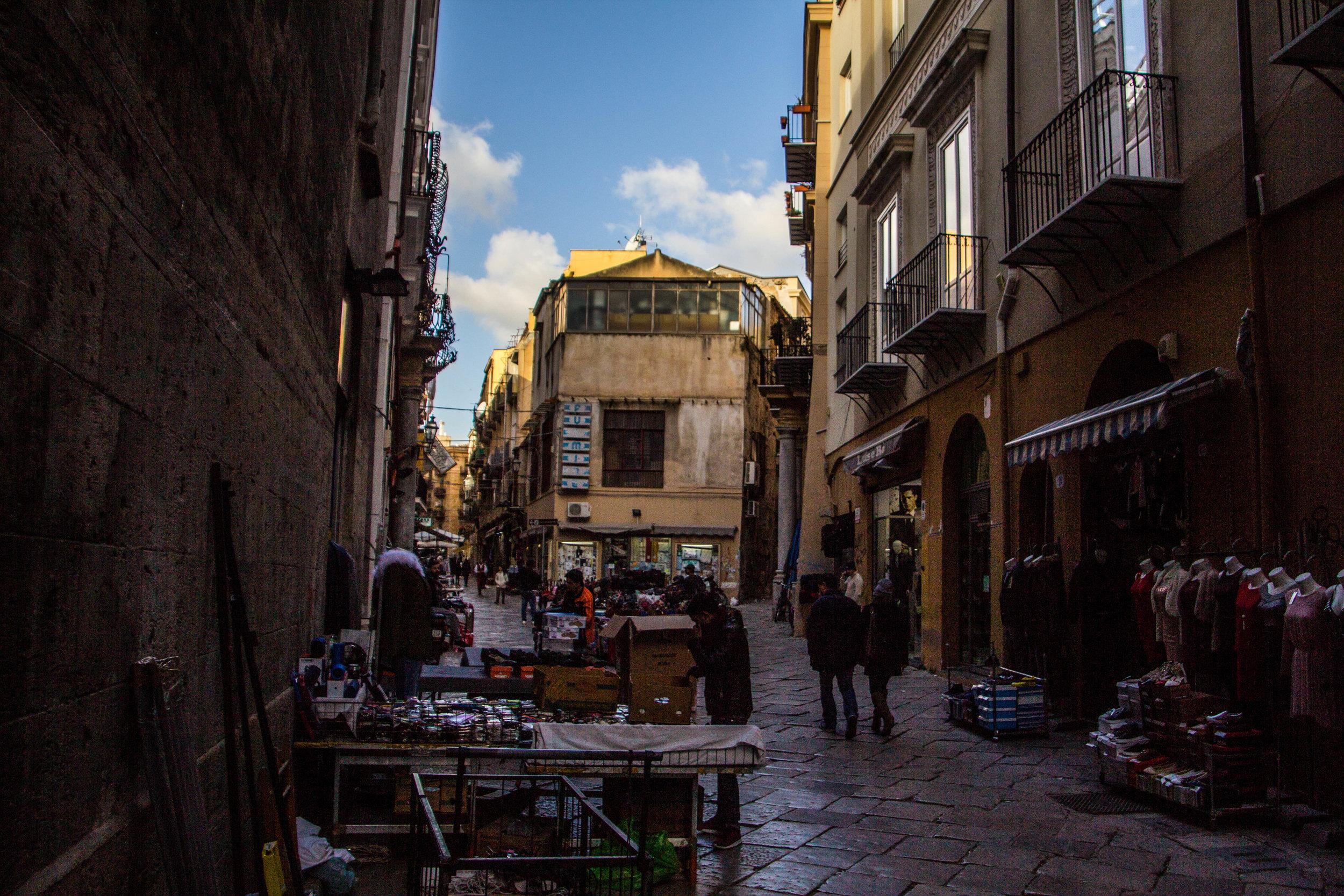 street-photography-palermo-sicily-52.jpg