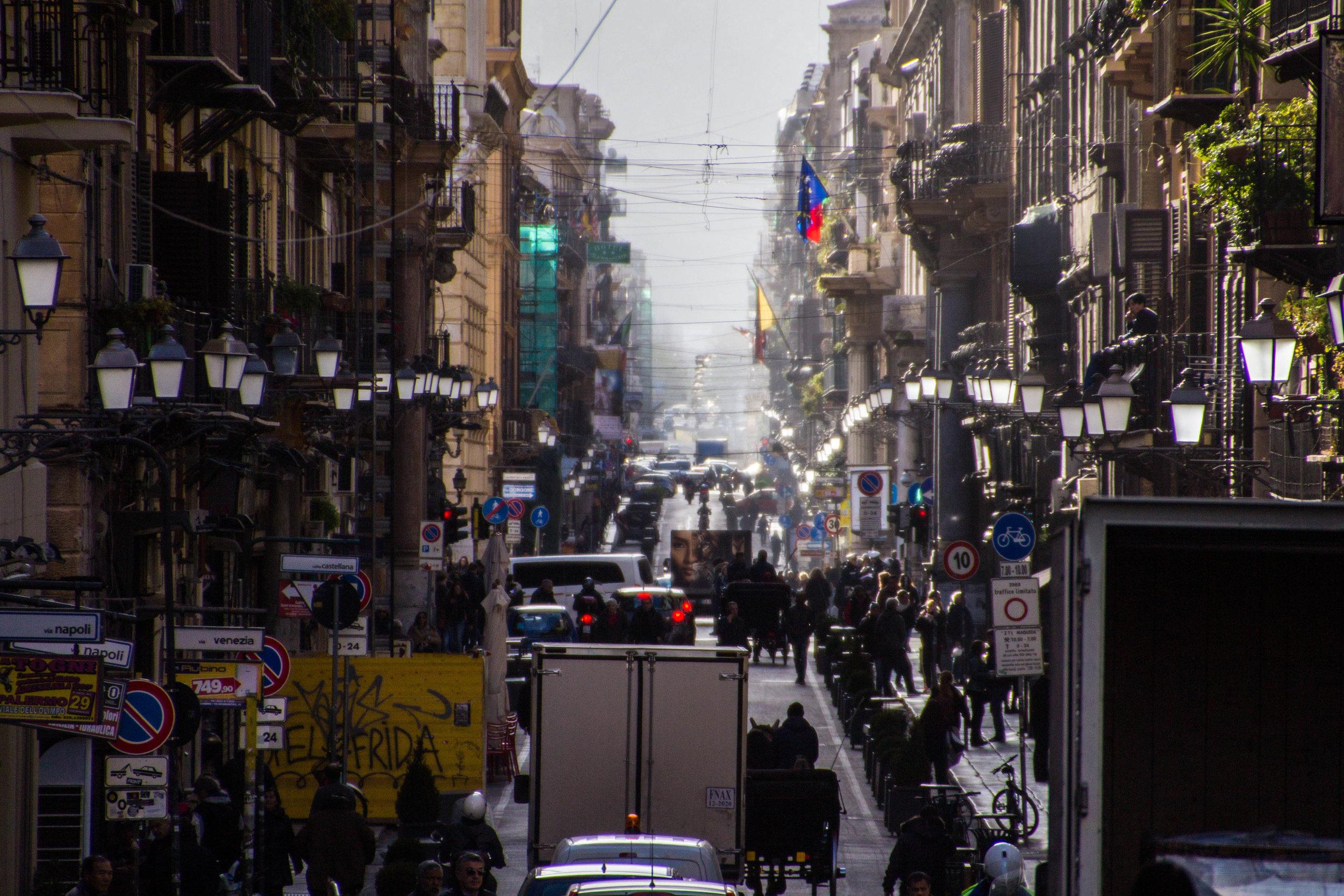 street-photography-palermo-sicily-54.jpg