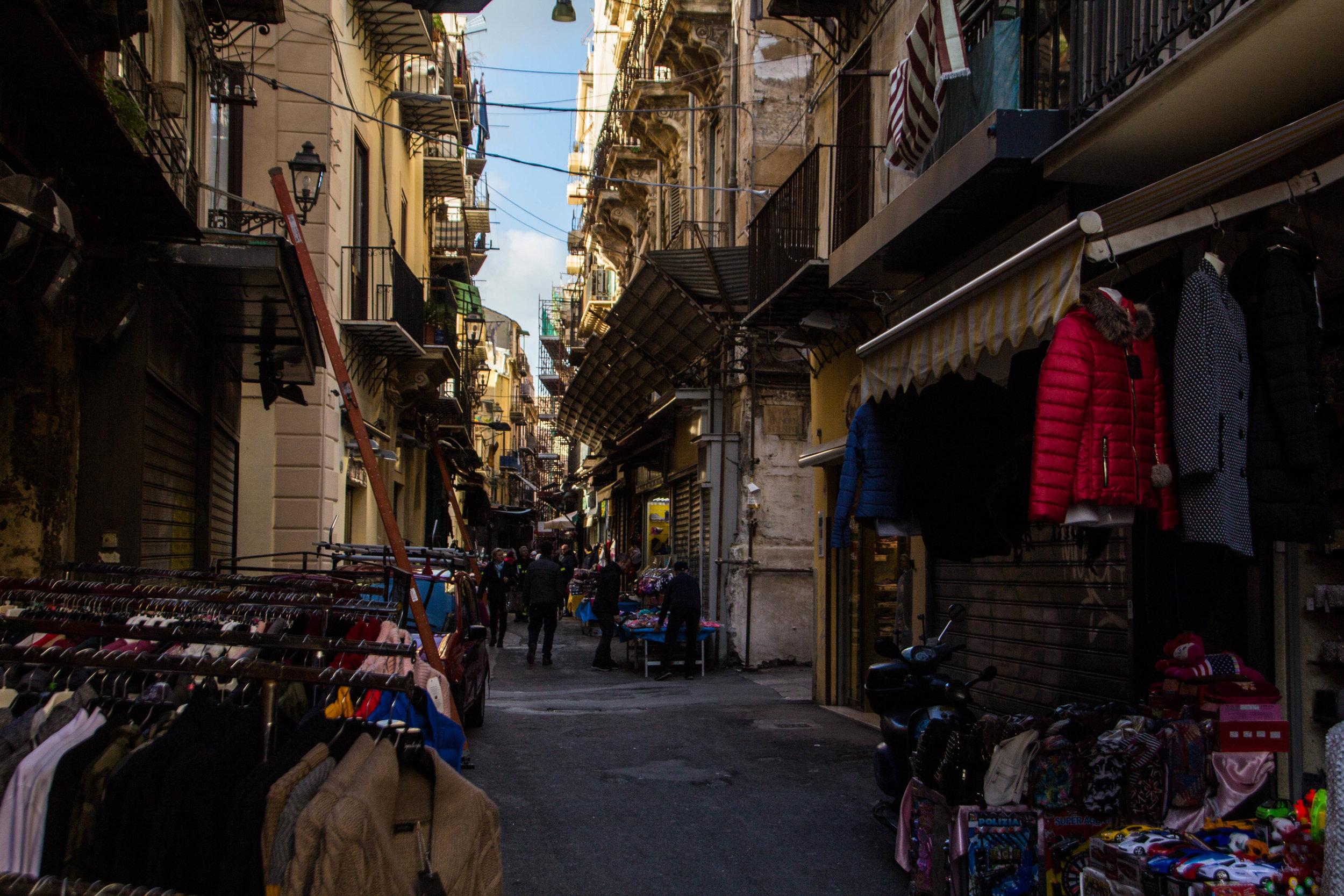 street-photography-palermo-sicily-55.jpg