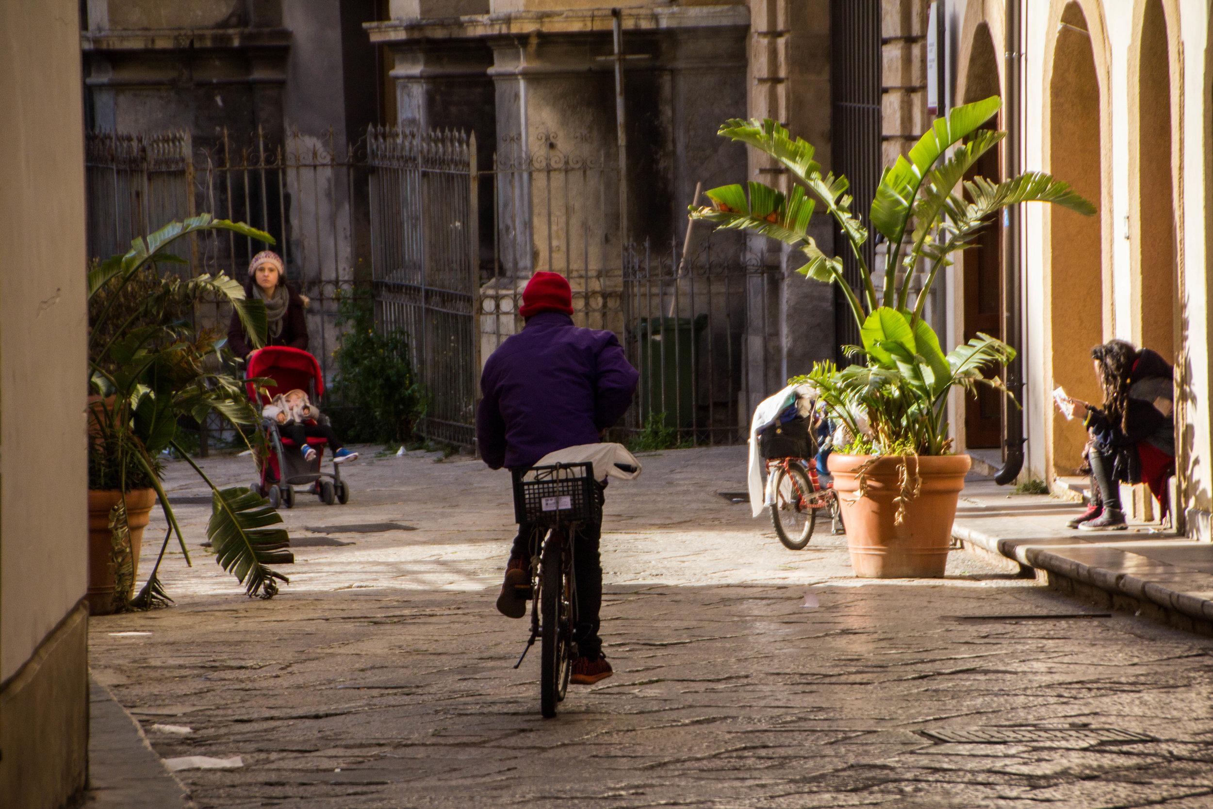 streets-palermo-sicily-10.jpg