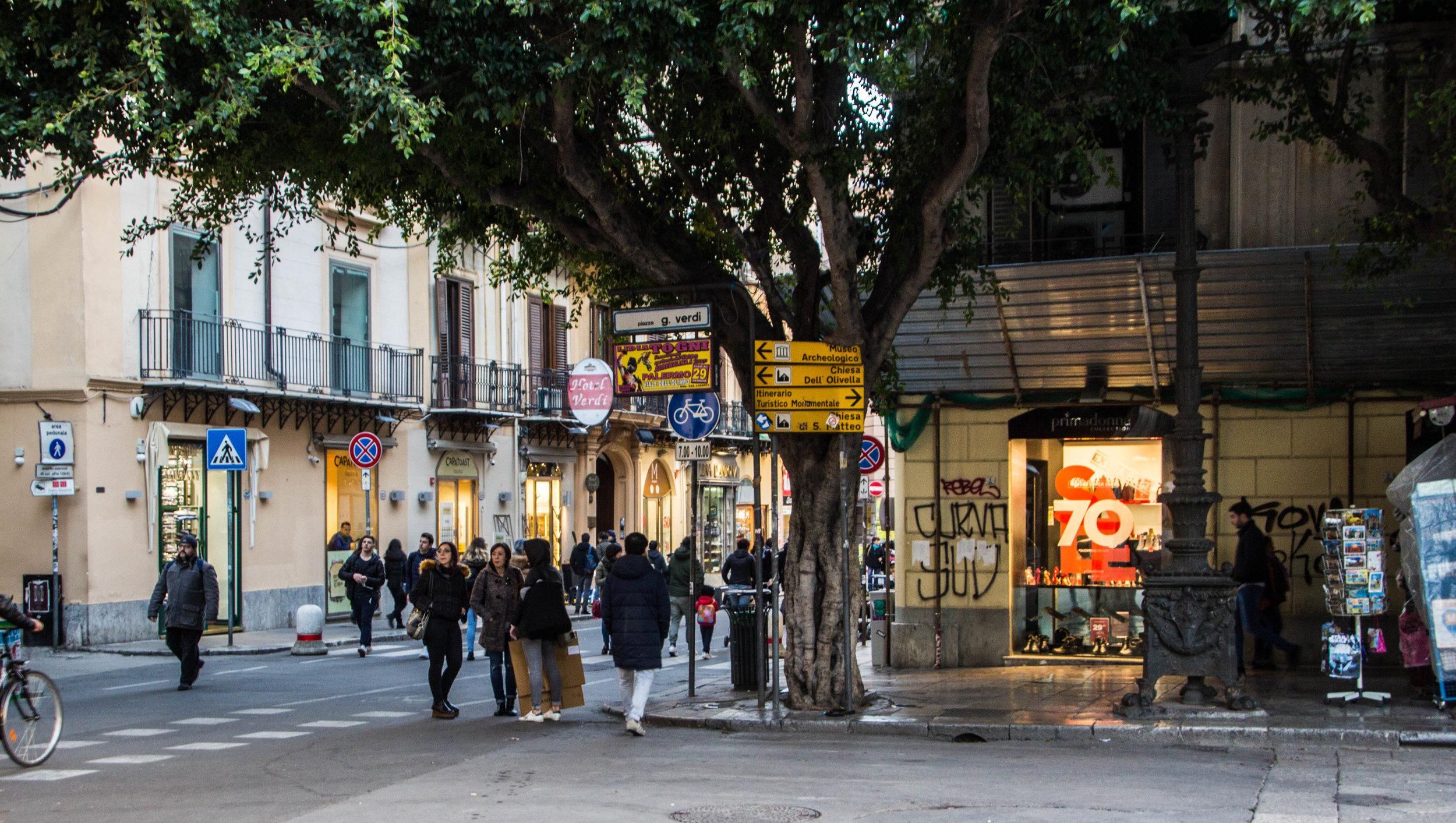 streets-palermo-sicily-23.jpg
