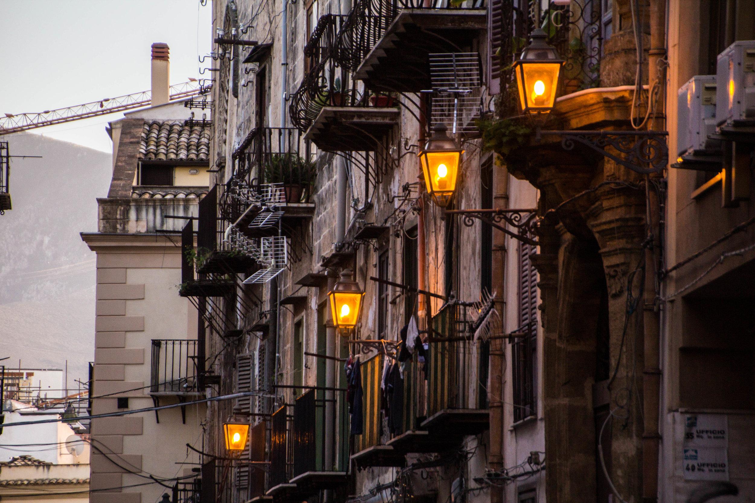 streets-palermo-sicily-25.jpg