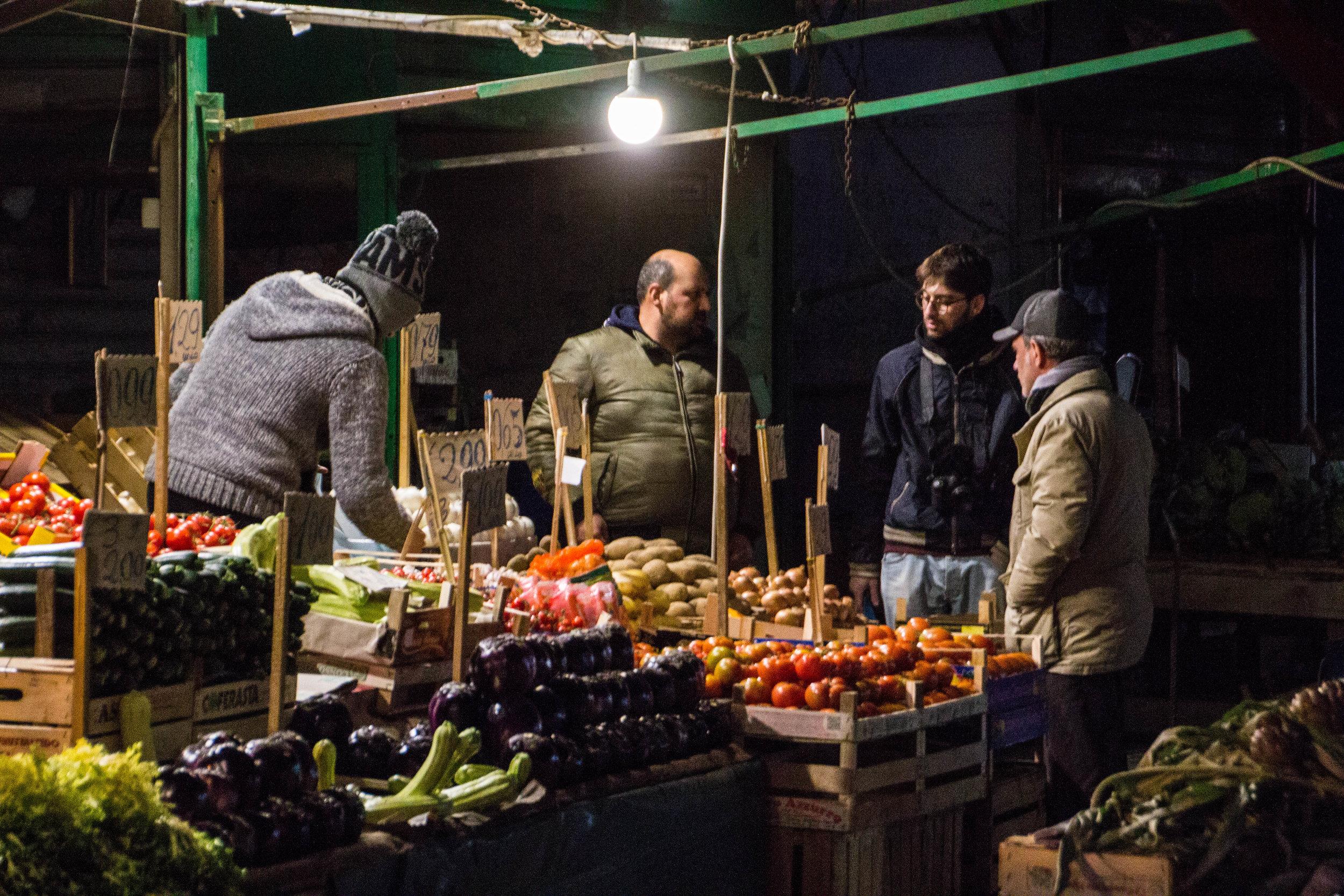 night-street-market-palermo-sicily-2.jpg