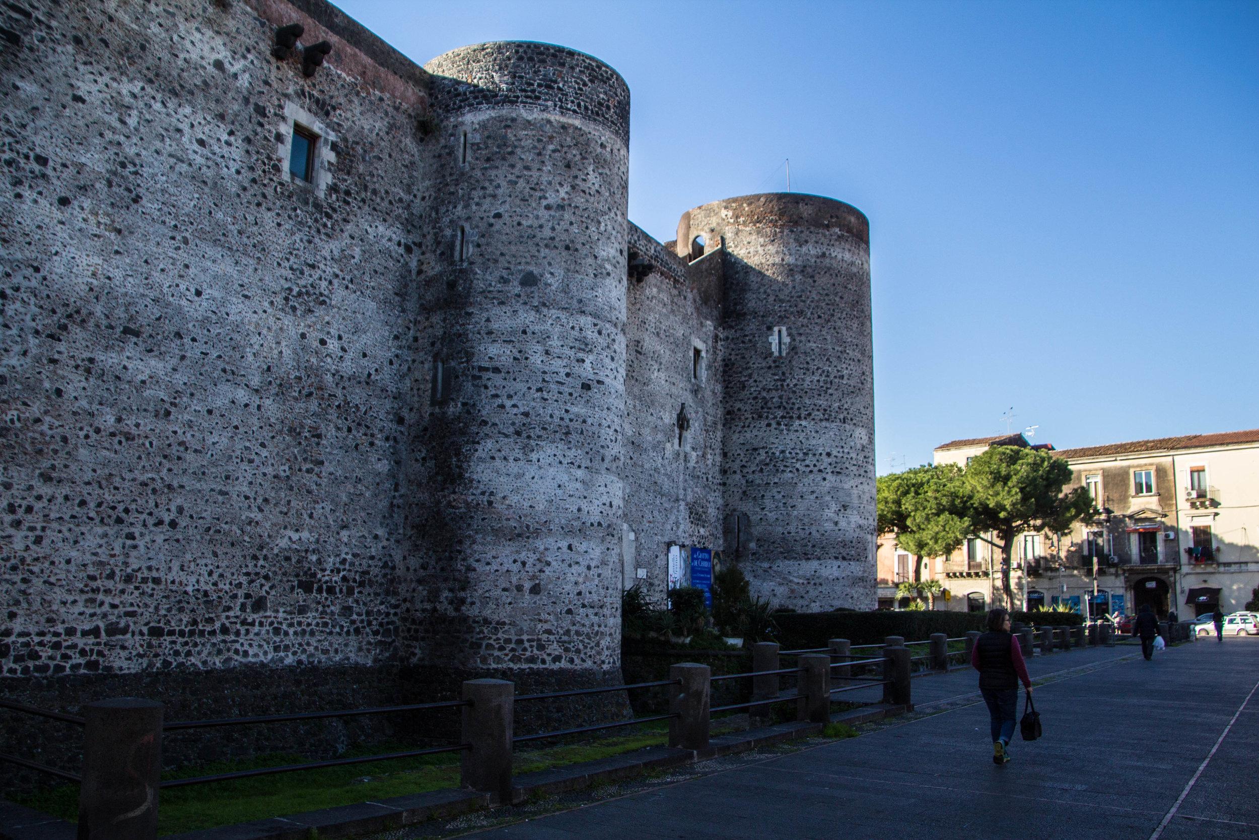 museo-civico-castello-ursino-catania-sicily-1.jpg
