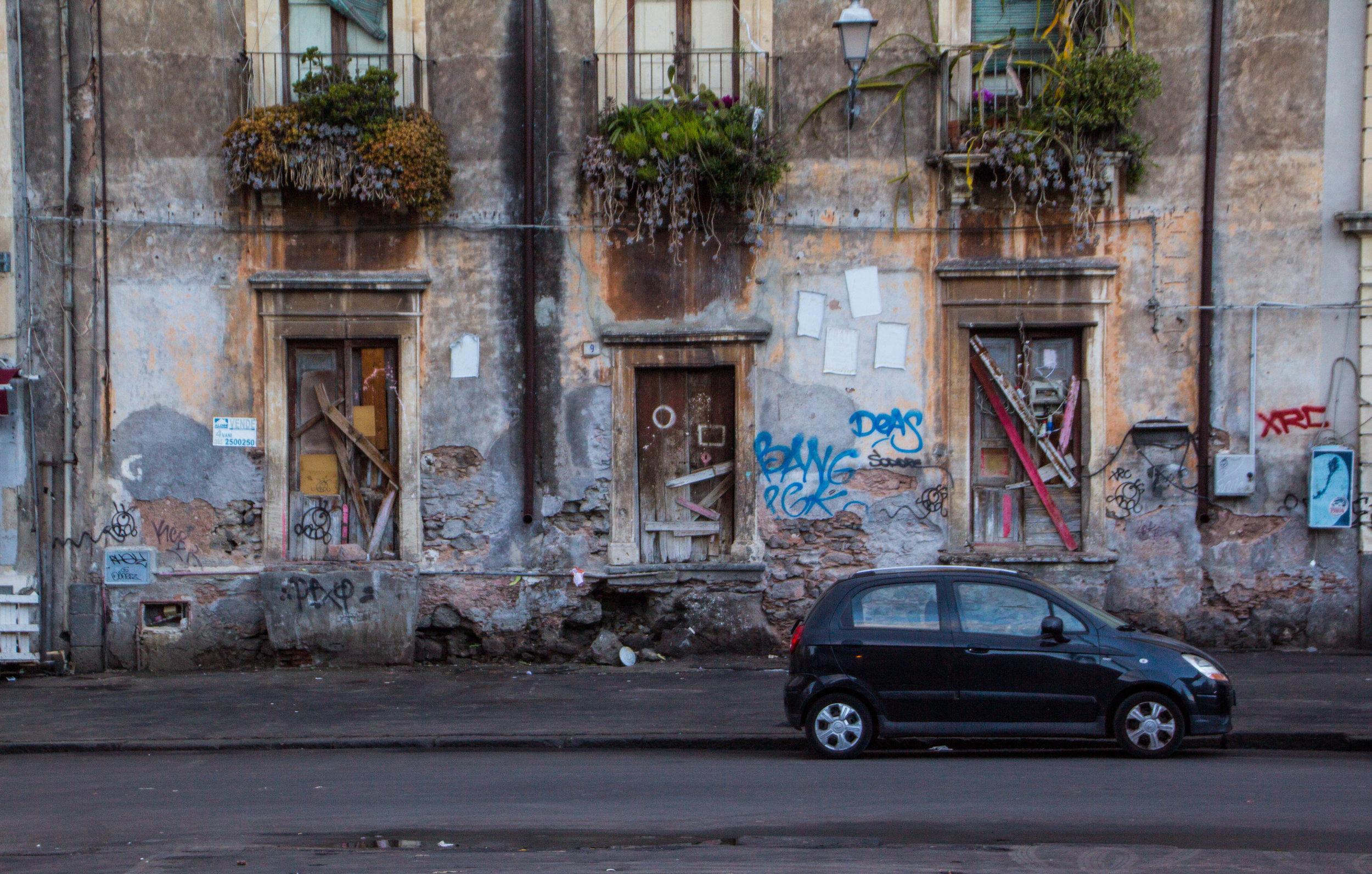 streets-catania-sicily-sicilia-3.jpg