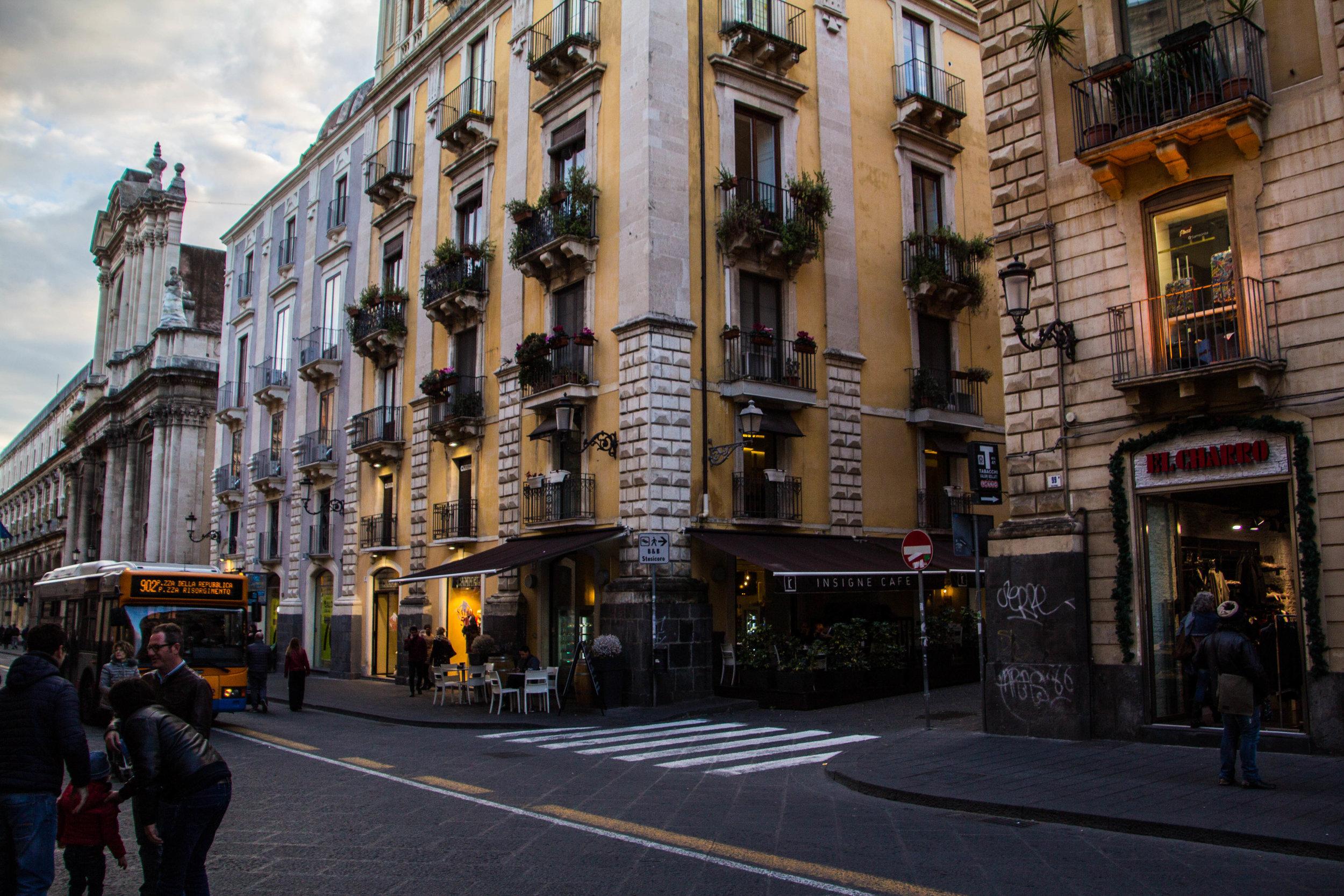 streets-catania-sicily-sicilia-14.jpg
