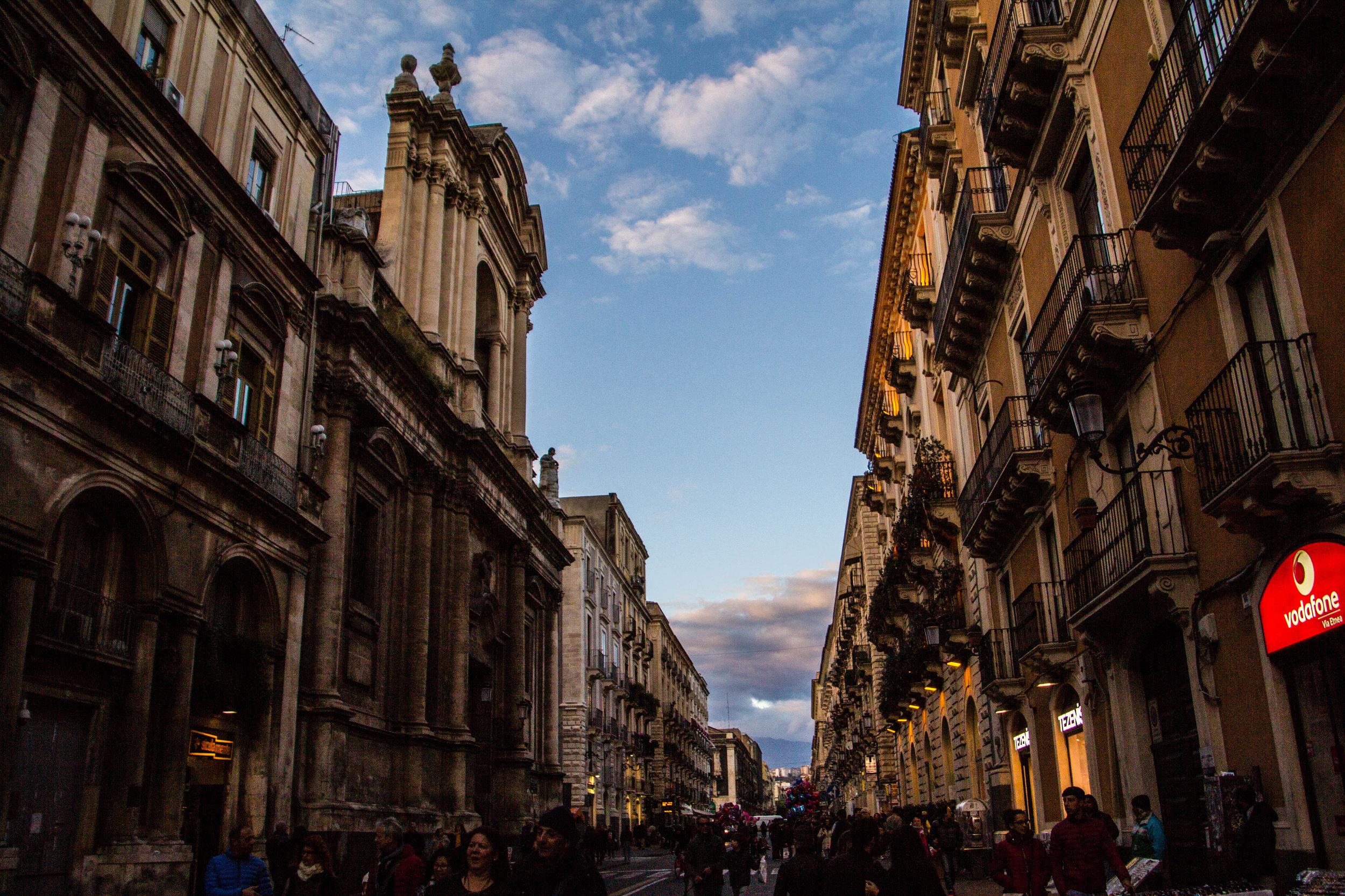 streets-catania-sicily-sicilia-17.jpg
