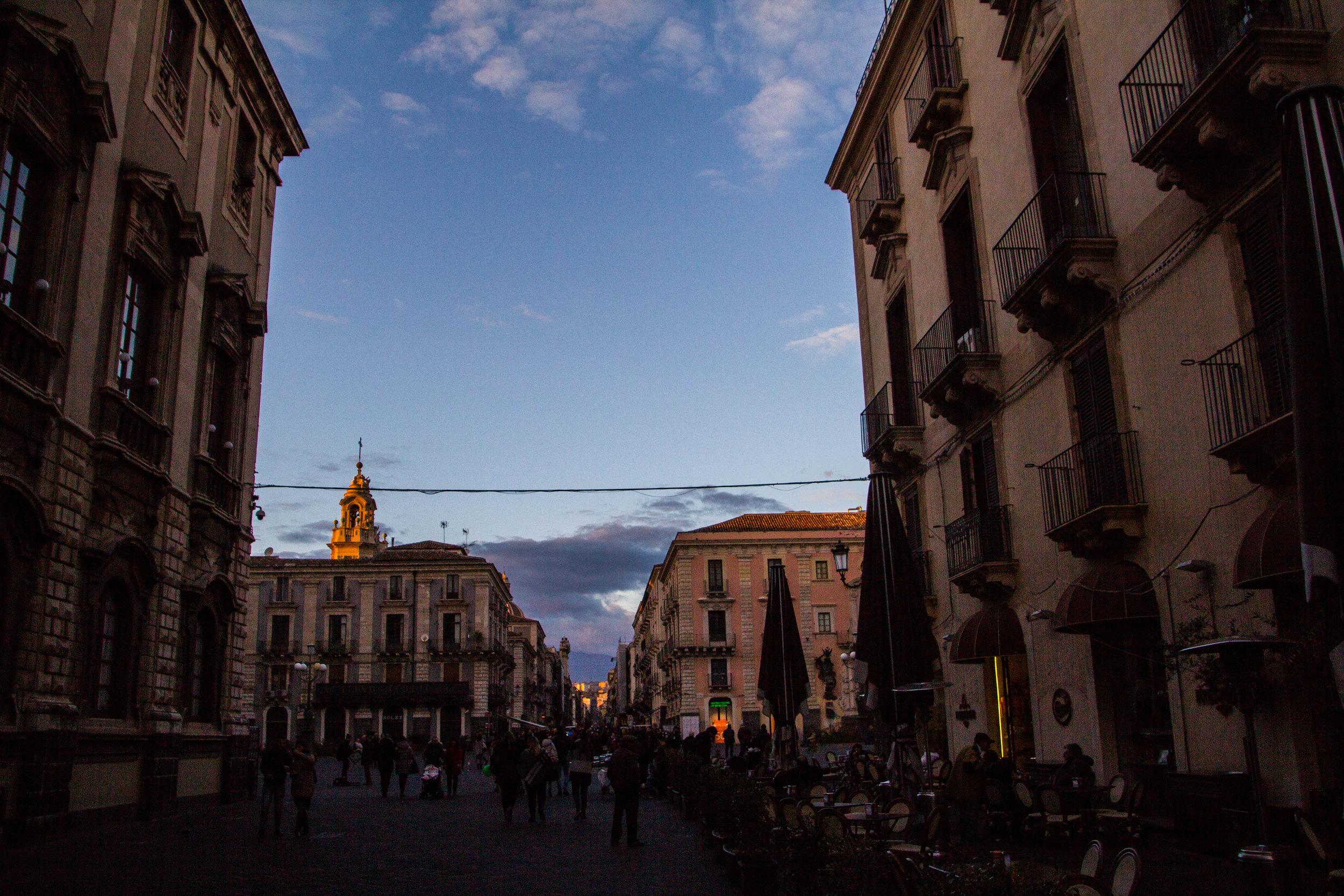 streets-catania-sicily-sicilia-25.jpg