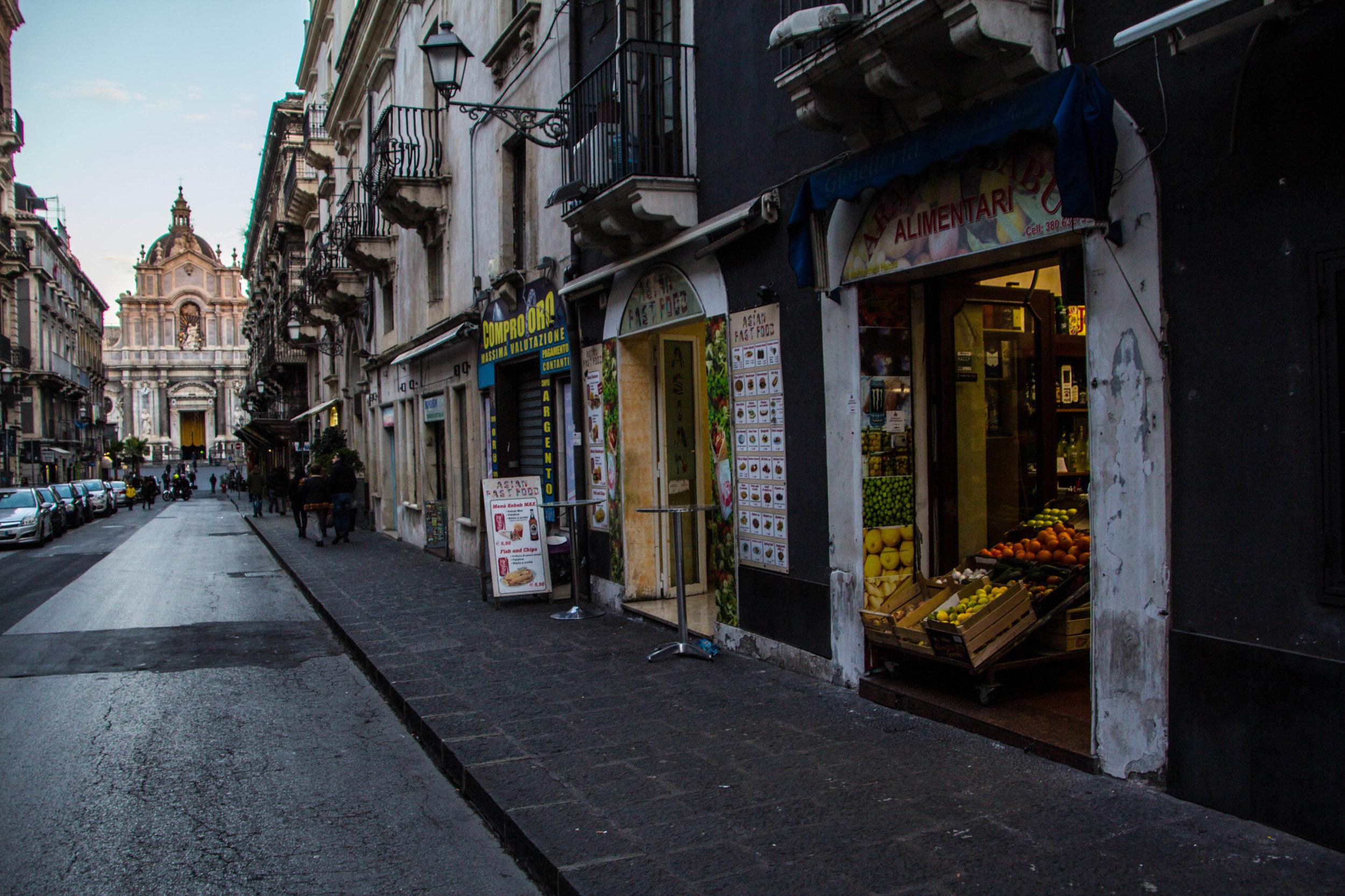 streets-catania-sicily-sicilia-30.jpg