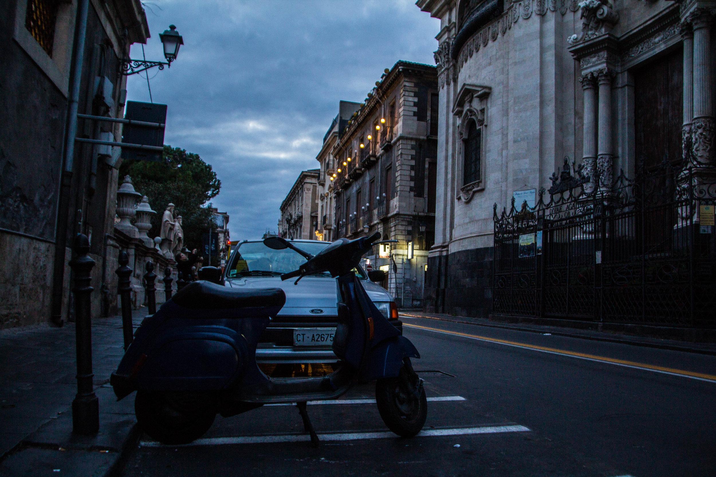 streets-catania-sicily-sicilia-41.jpg