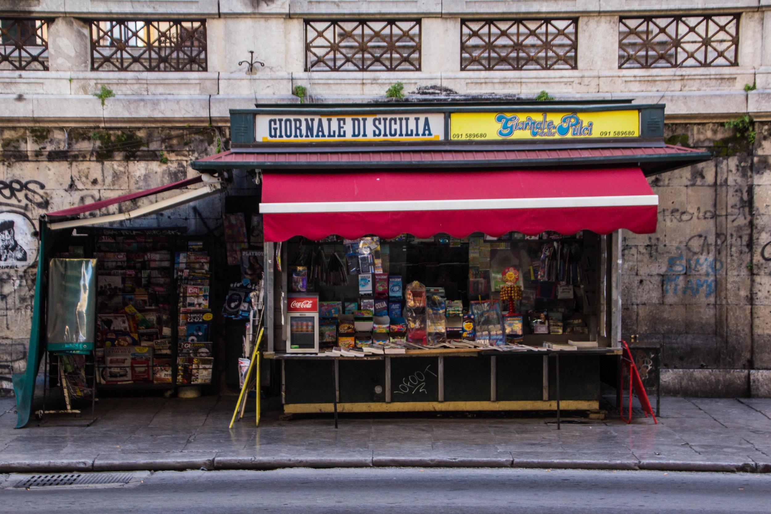 street-photography-palermo-sicily-10.jpg