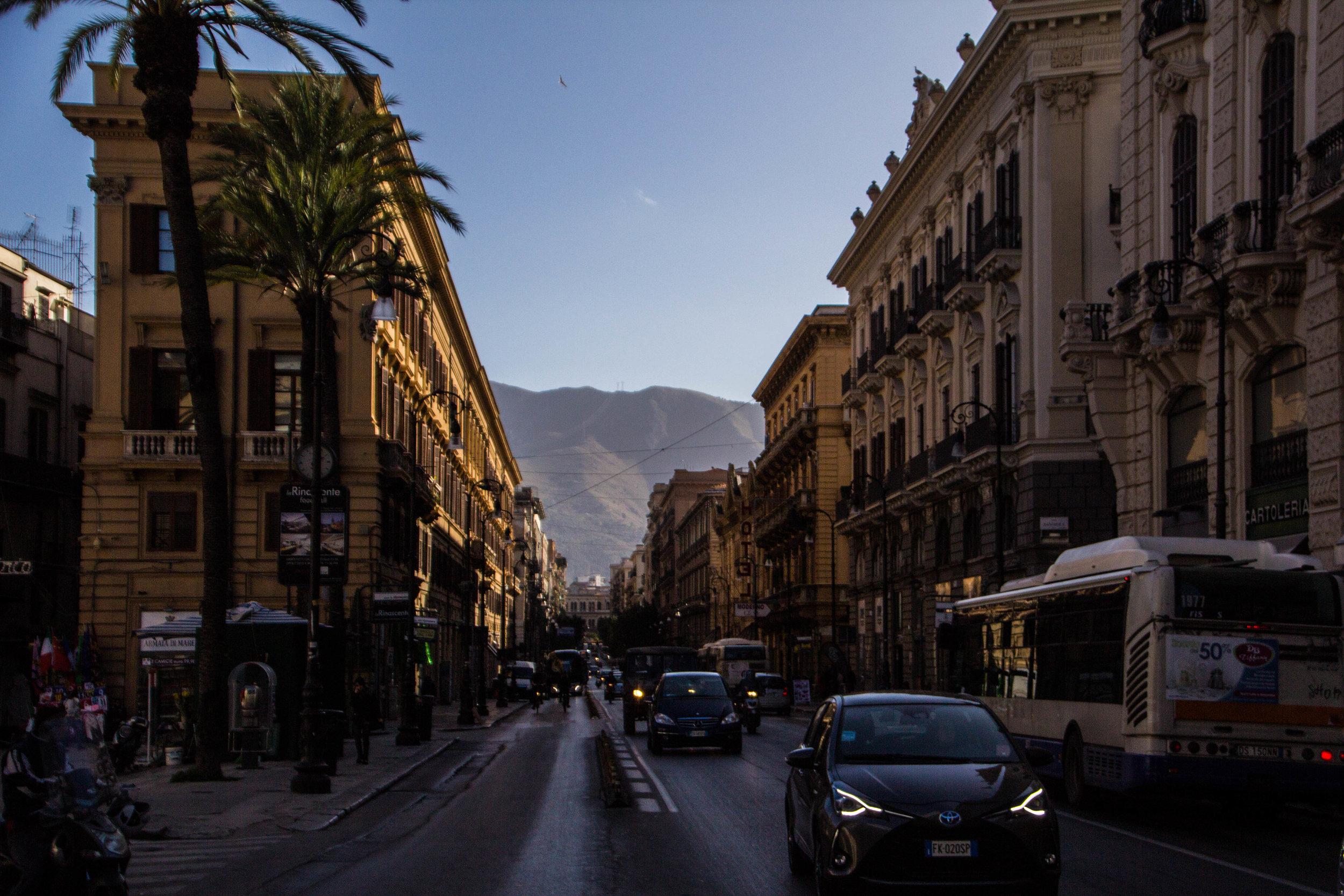 streets-palermo-sicily-4.jpg