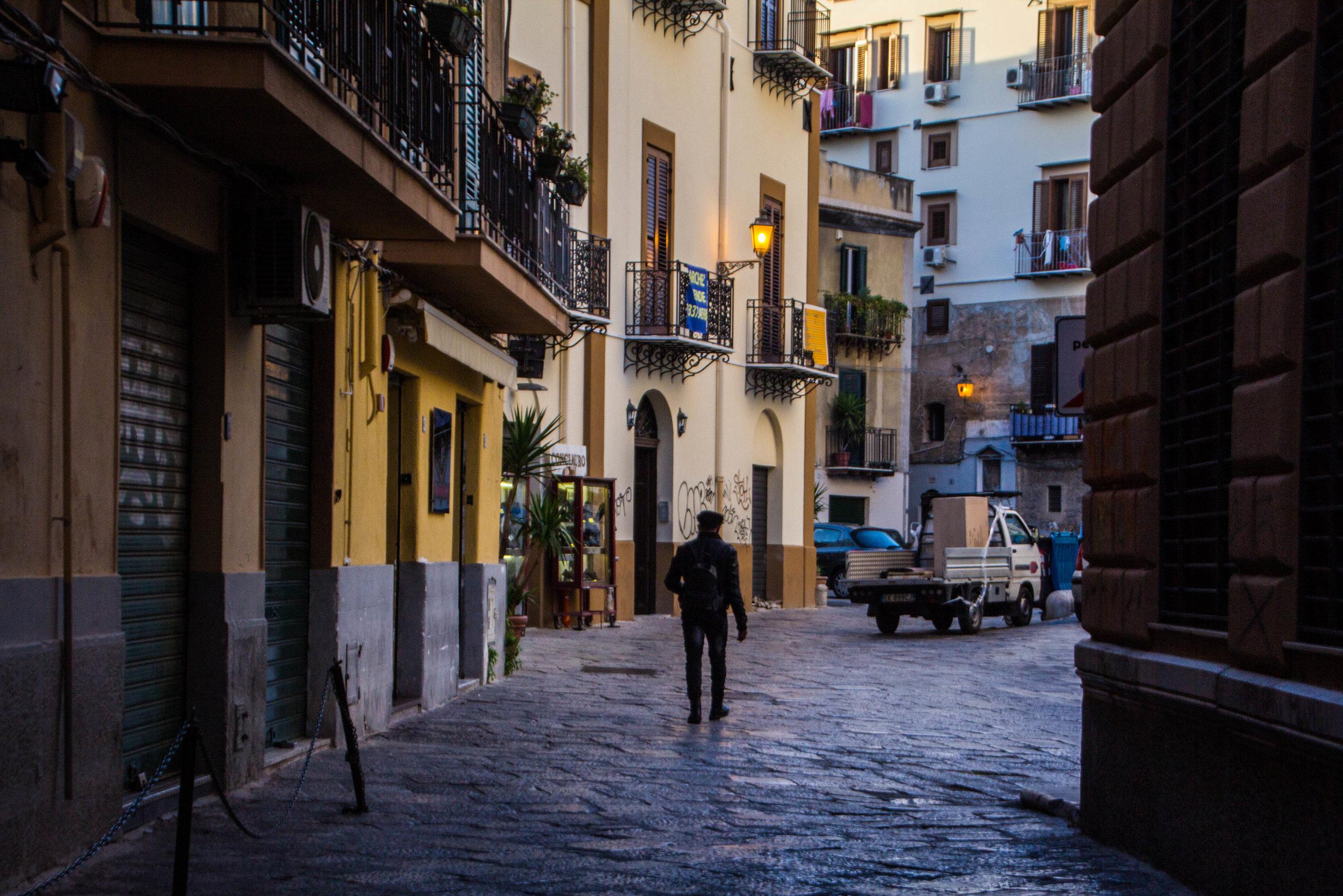 streets-palermo-sicily-12.jpg