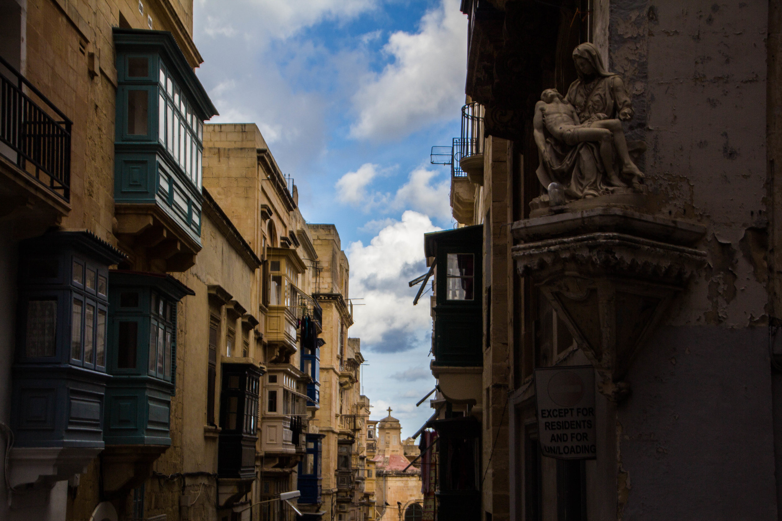 valletta-malta-clouds-rain-streets-photography-26.jpg
