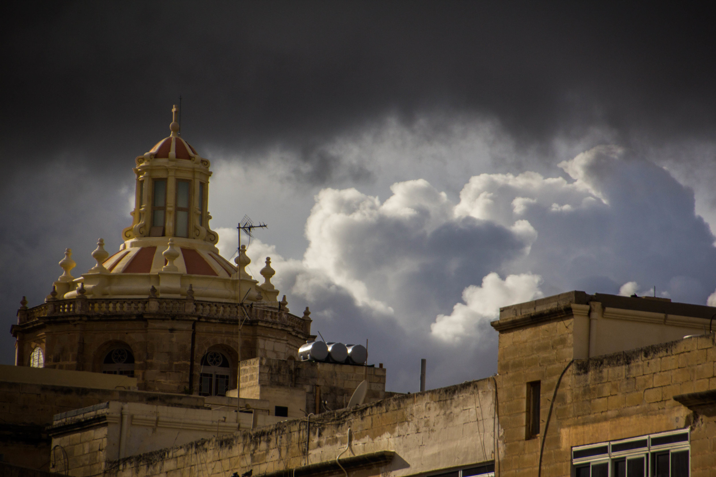 valletta-malta-clouds-rain-streets-photography-33.jpg