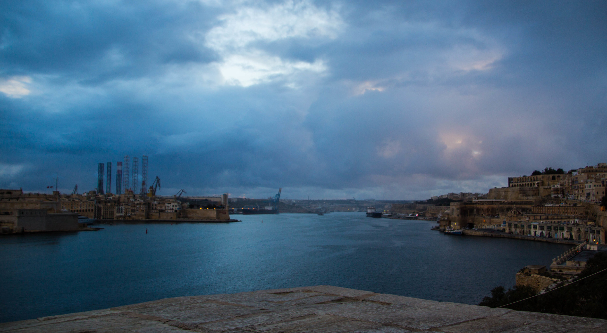 valletta-malta-clouds-rain-streets-photography-57.jpg