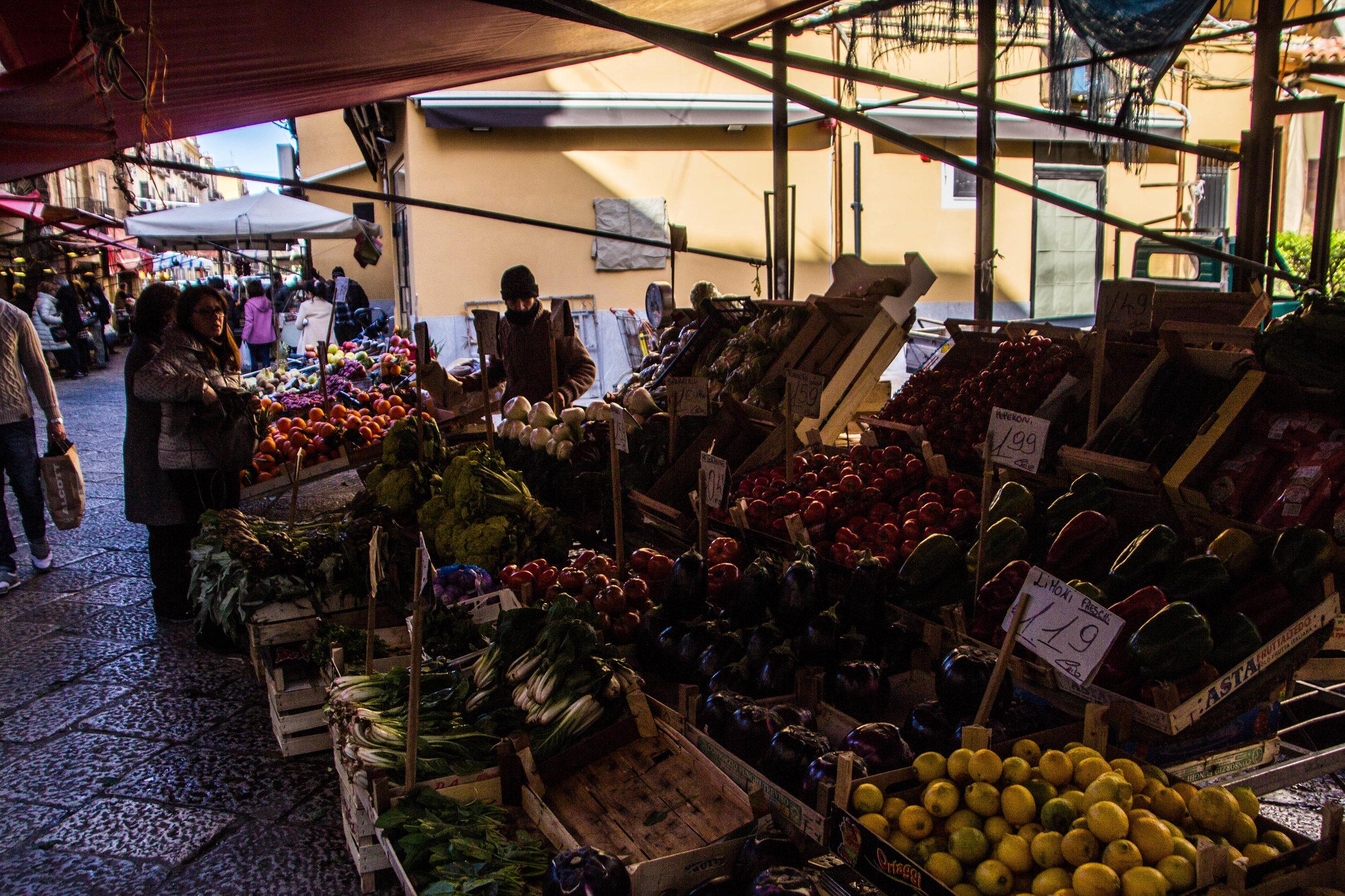 street-markets-palermo-sicily-7.jpg