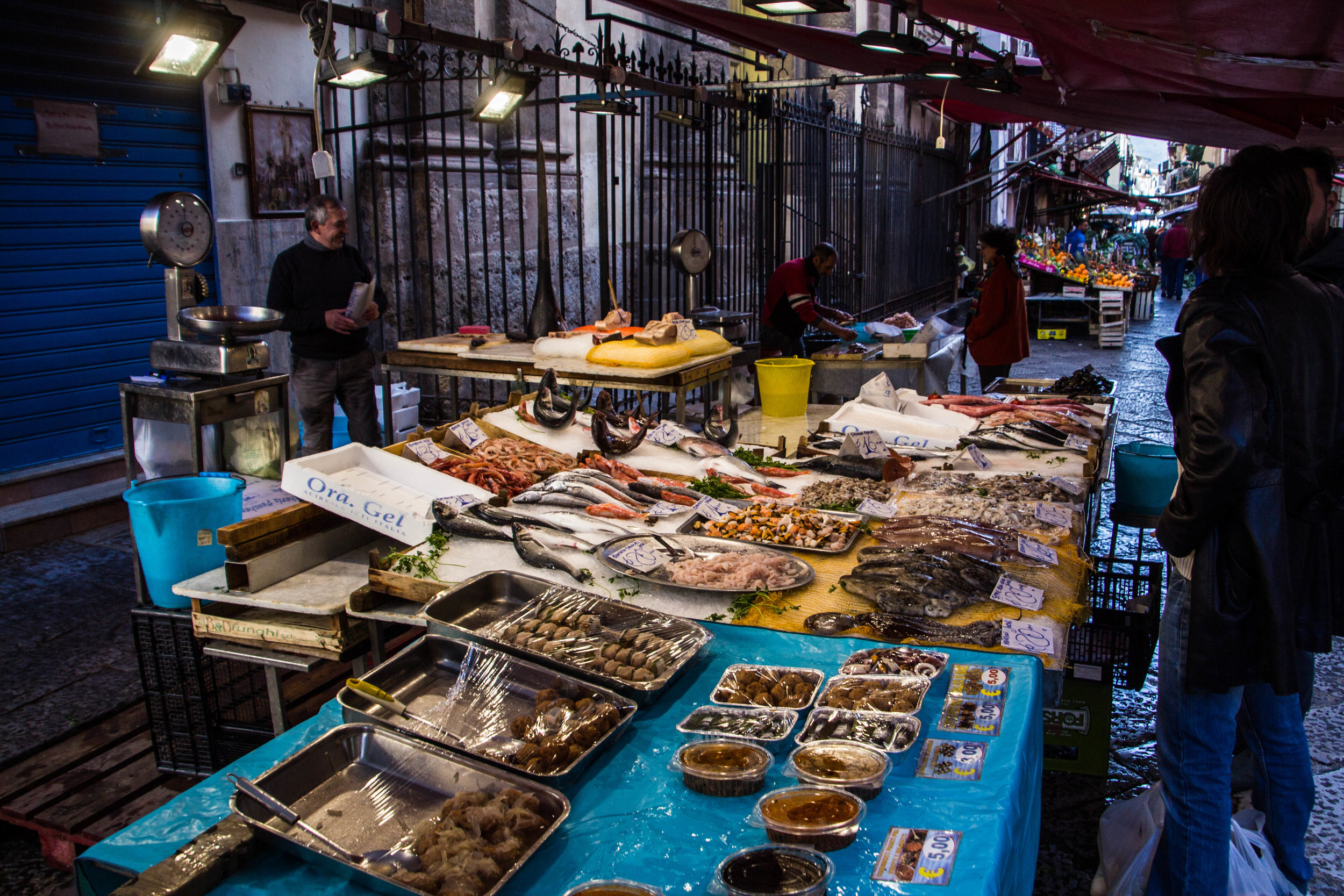 street-markets-palermo-sicily-8.jpg