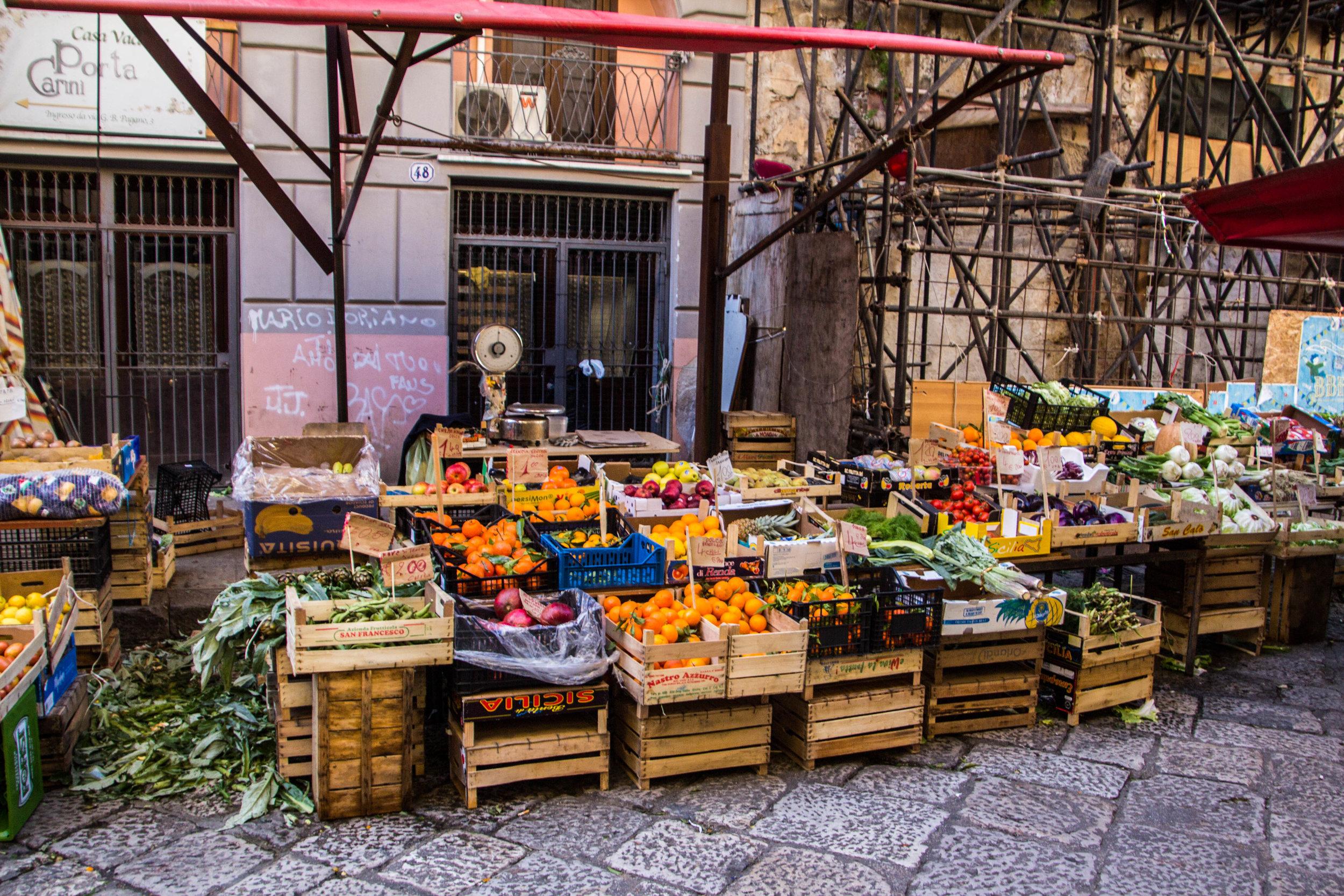 street-markets-palermo-sicily-12.jpg