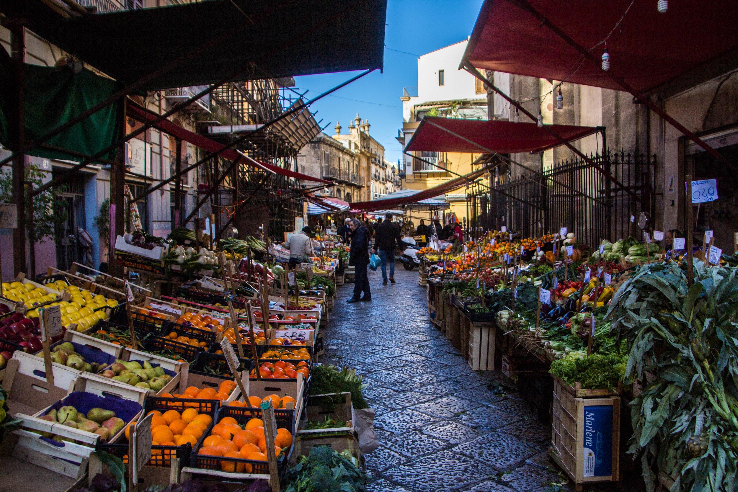 street-markets-palermo-sicily-14.jpg