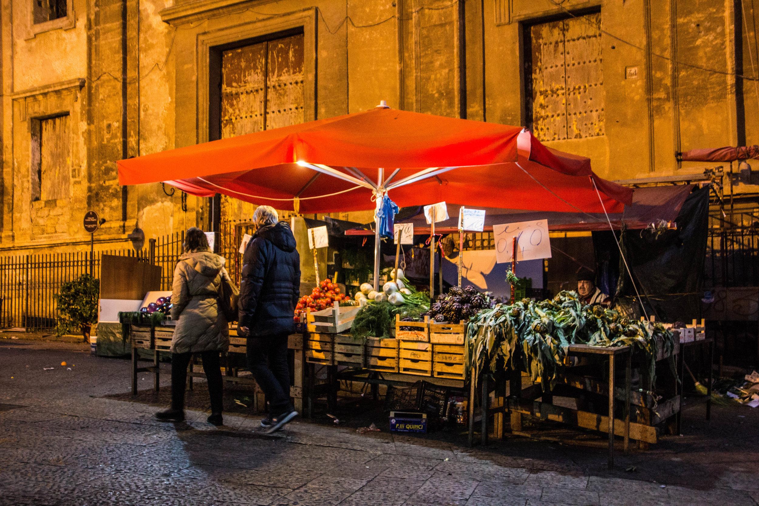 night-street-market-palermo-sicily-1.jpg