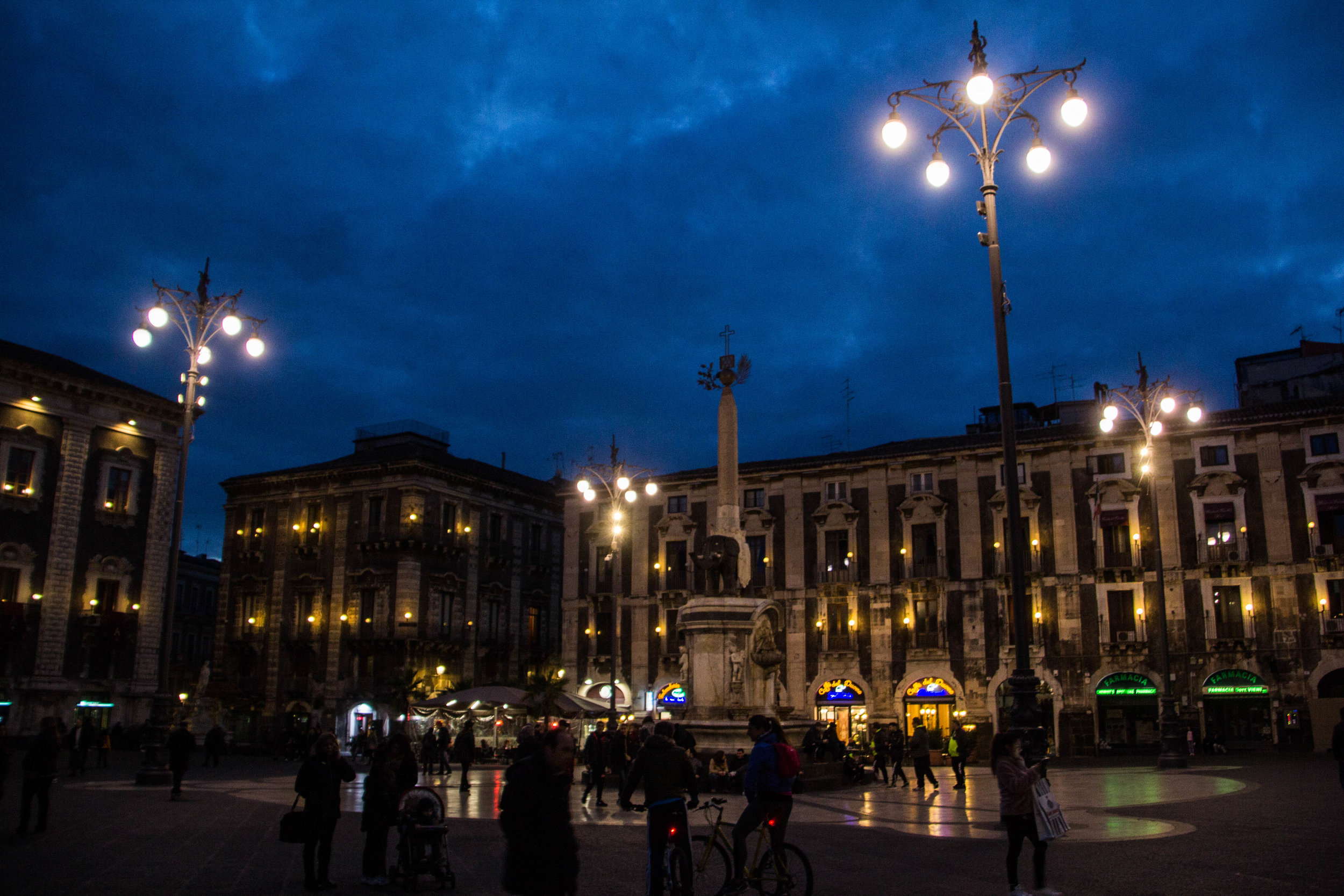 streets-catania-sicily-sicilia-46.jpg
