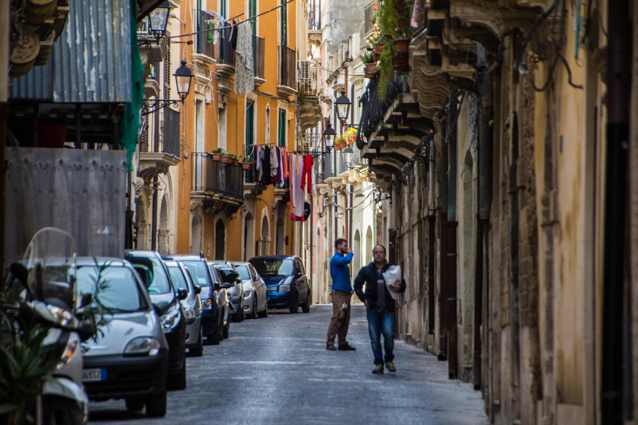 streets-ortygia-syracuse-sicily-33.jpg