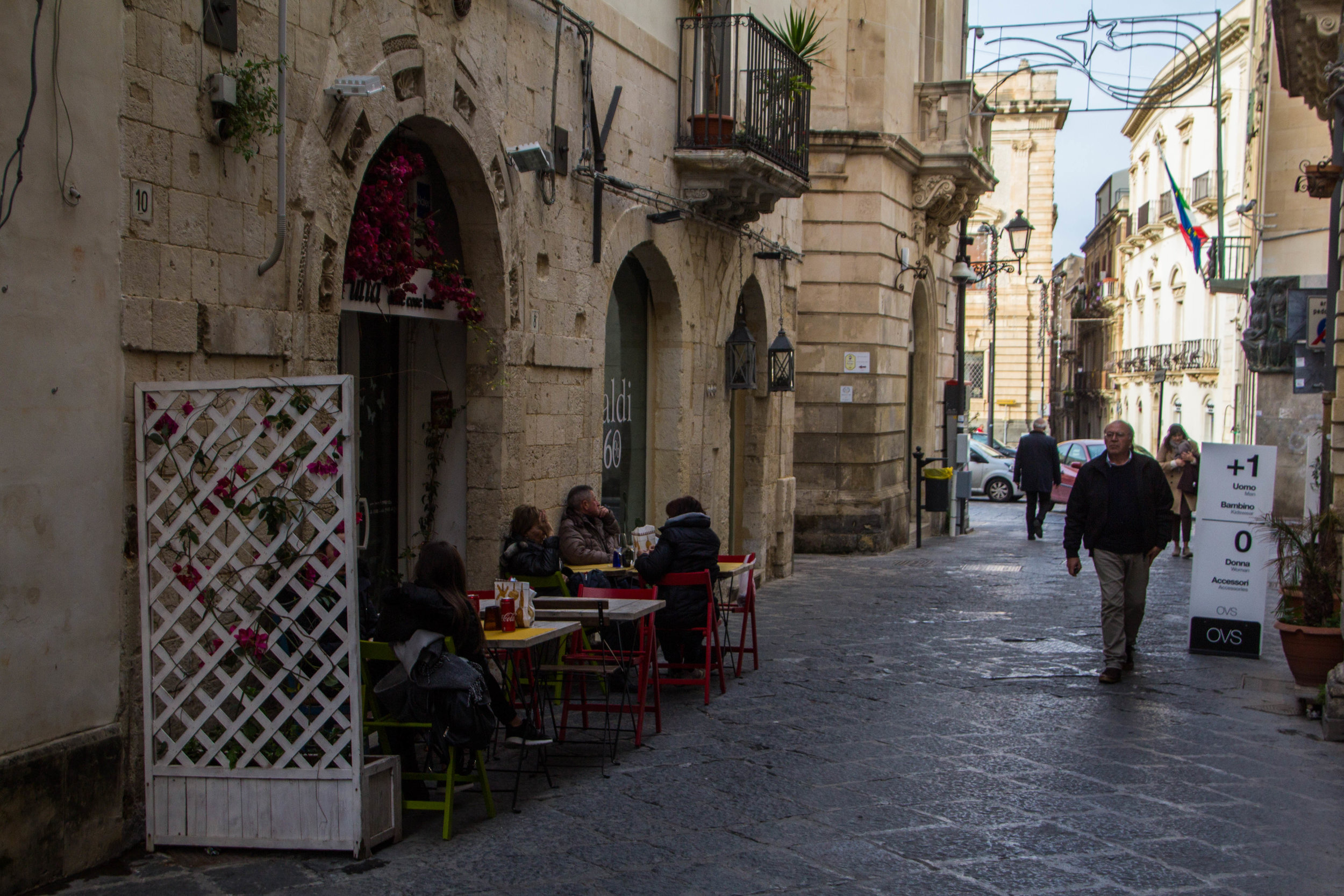 streets-ortygia-syracuse-sicily-44.jpg