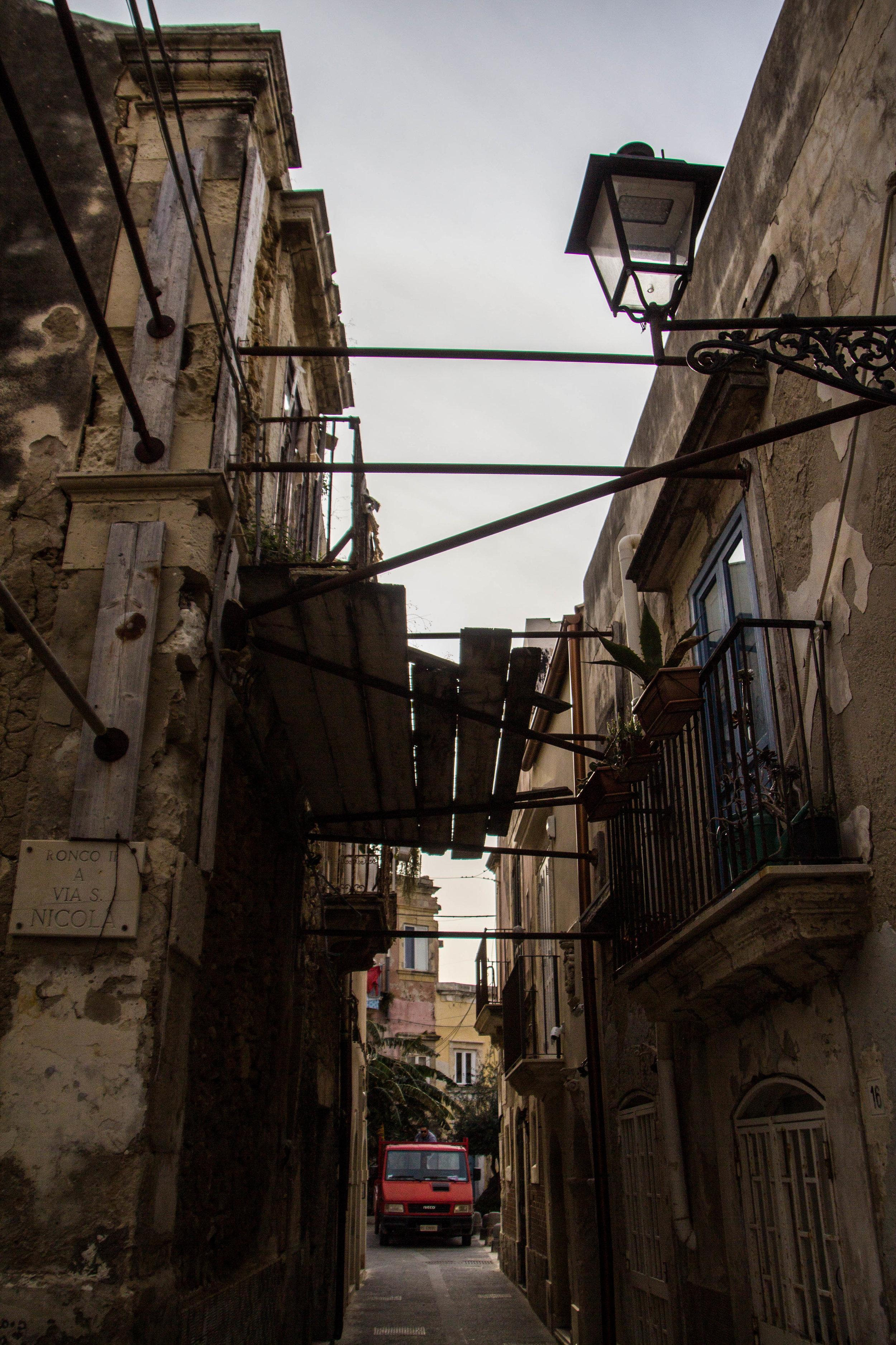 streets-ortygia-syracuse-sicily-60.jpg