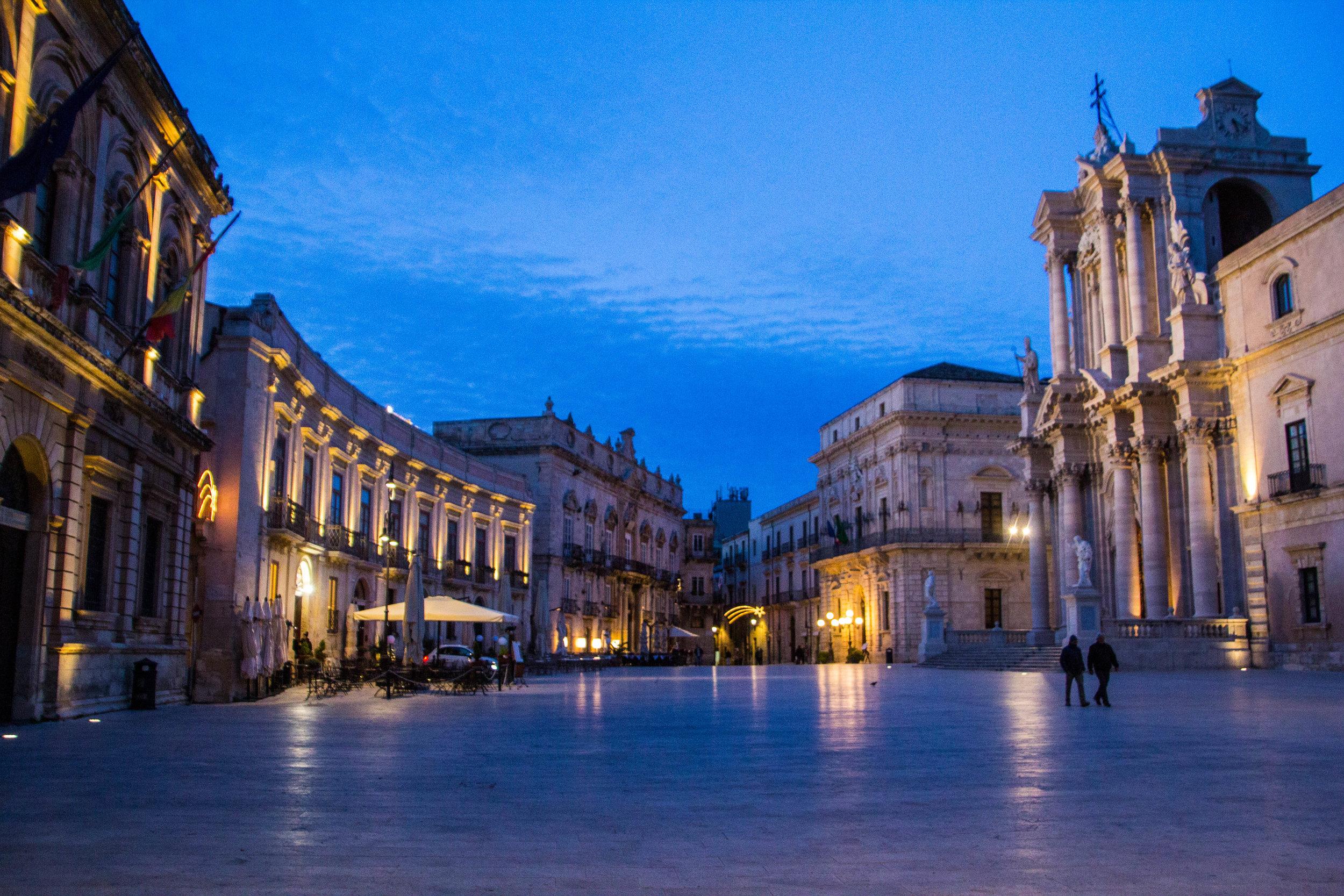 piazza-duomo-sunset-ortygia-syracuse-sicily-28.jpg