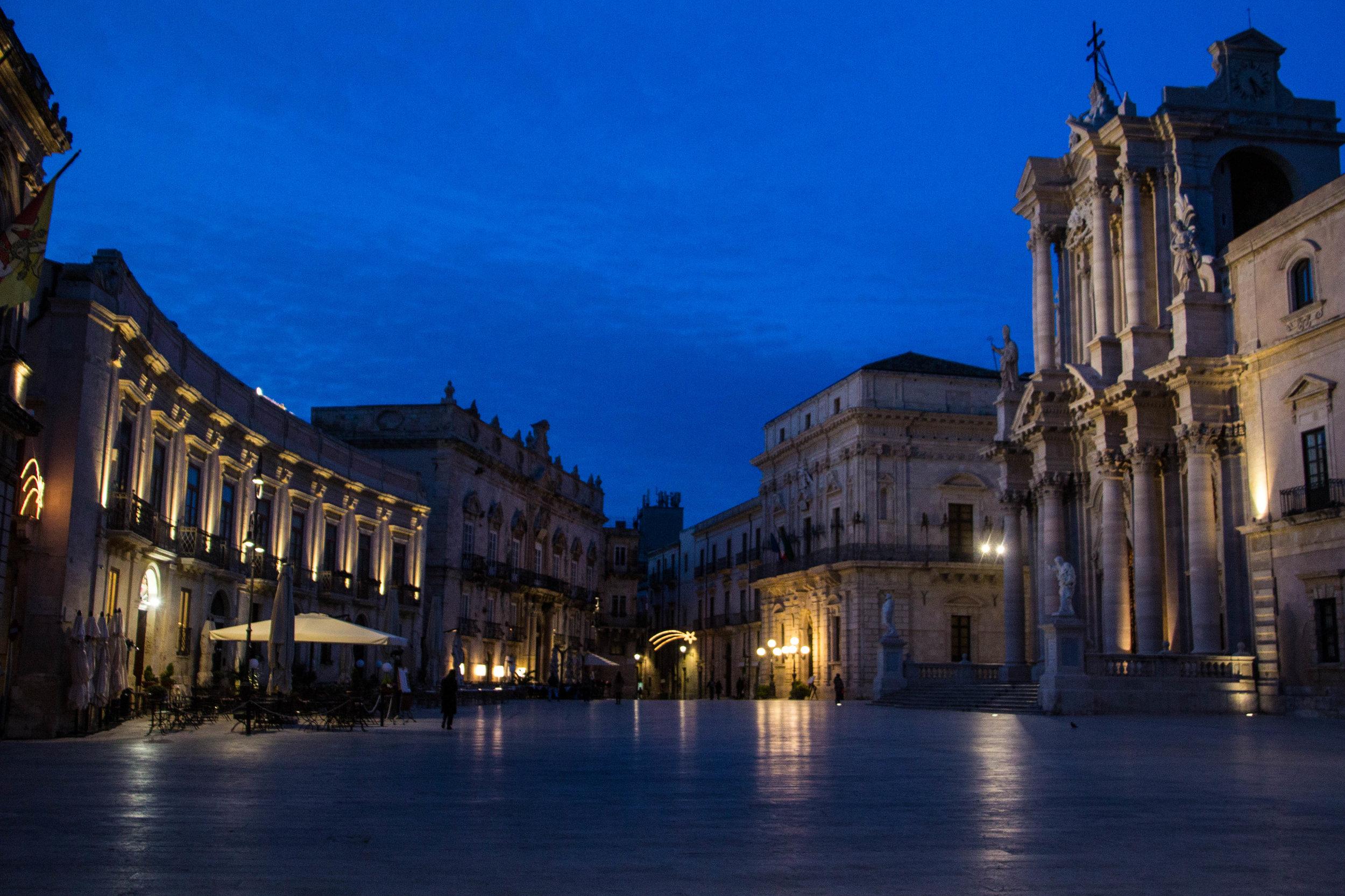 piazza-duomo-sunset-ortygia-syracuse-sicily-31.jpg