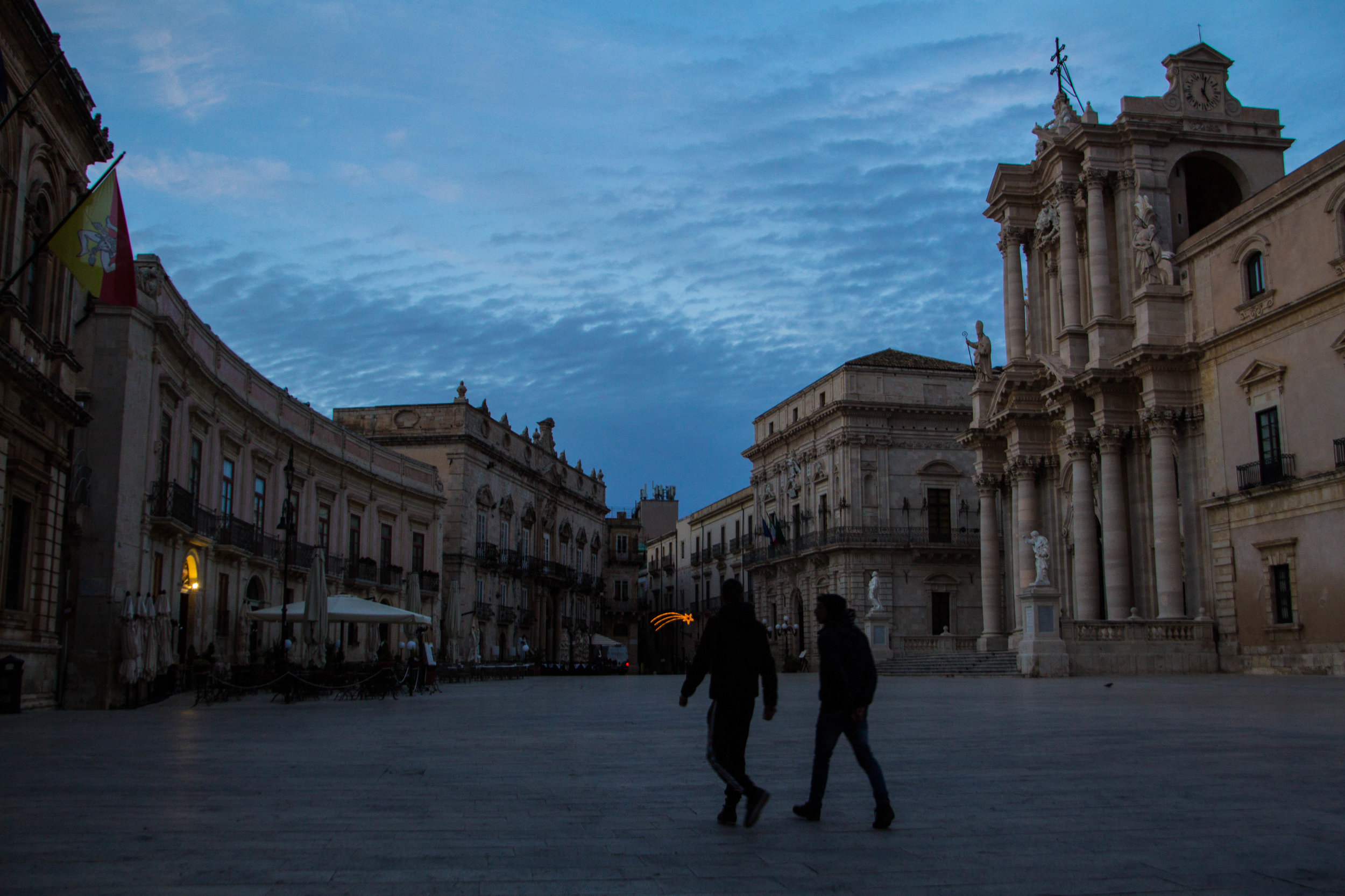 piazza-duomo-sunset-ortygia-syracuse-sicily-11.jpg
