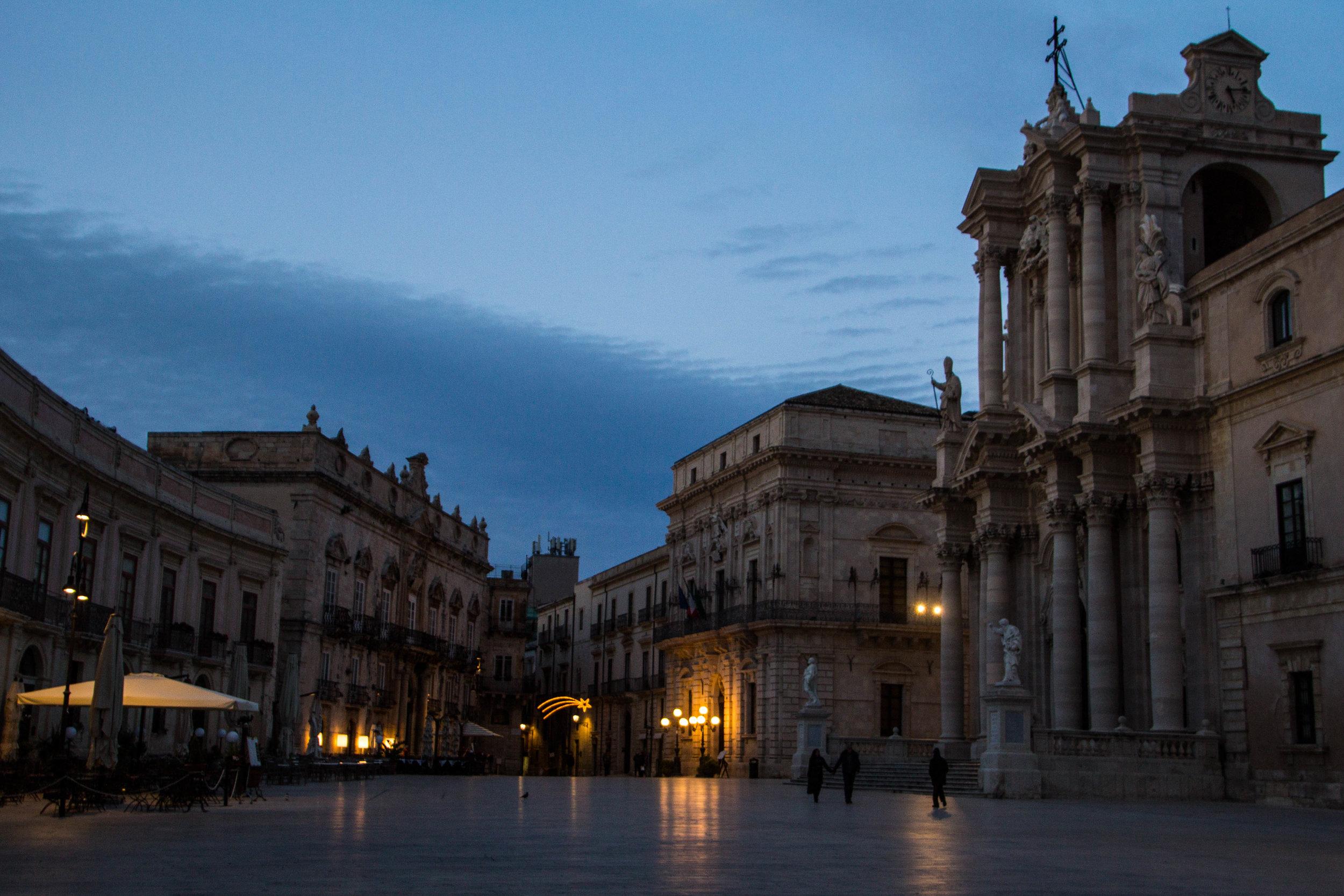 piazza-duomo-sunset-ortygia-syracuse-sicily-22.jpg