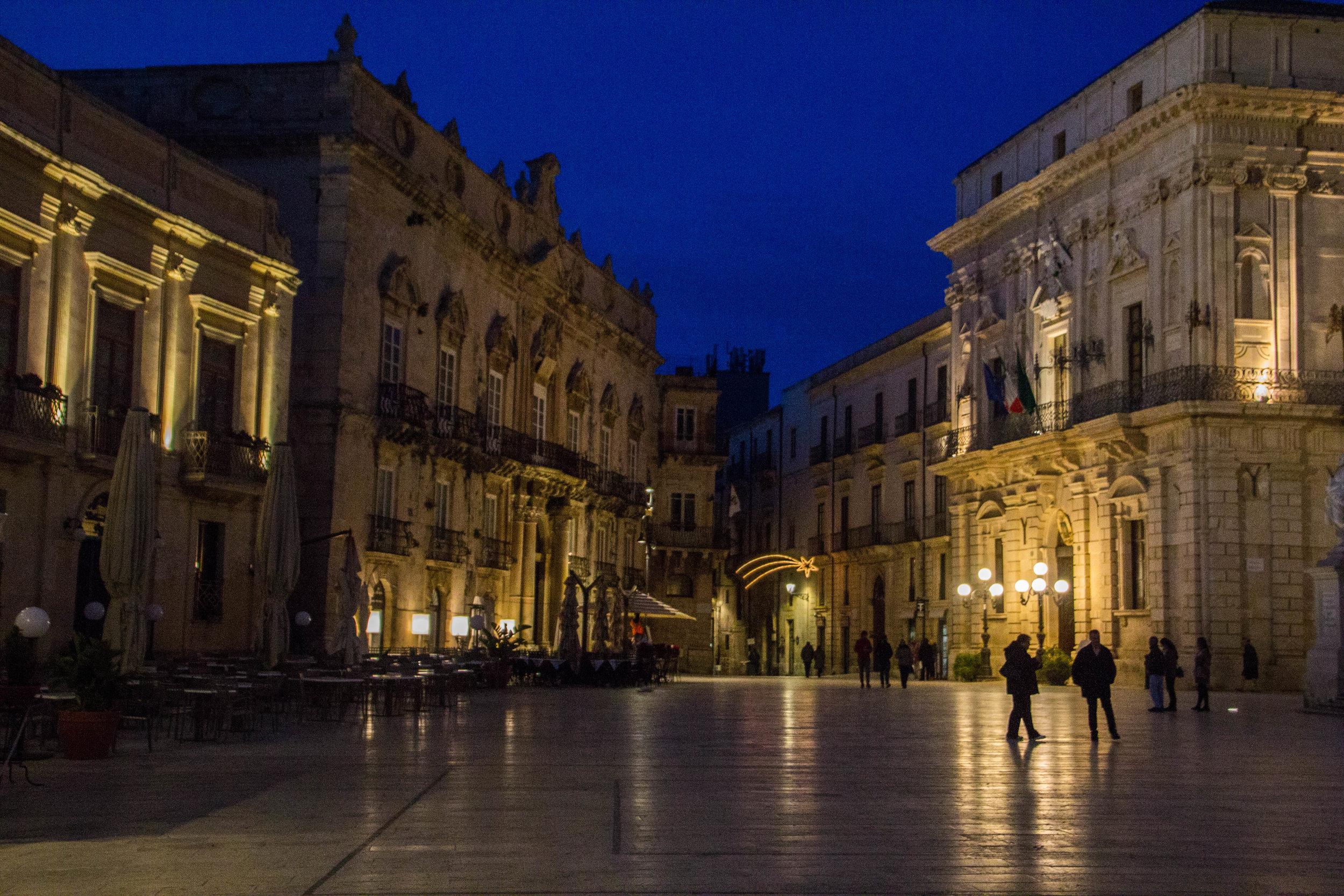 piazza-duomo-sunset-ortygia-syracuse-sicily-37.jpg