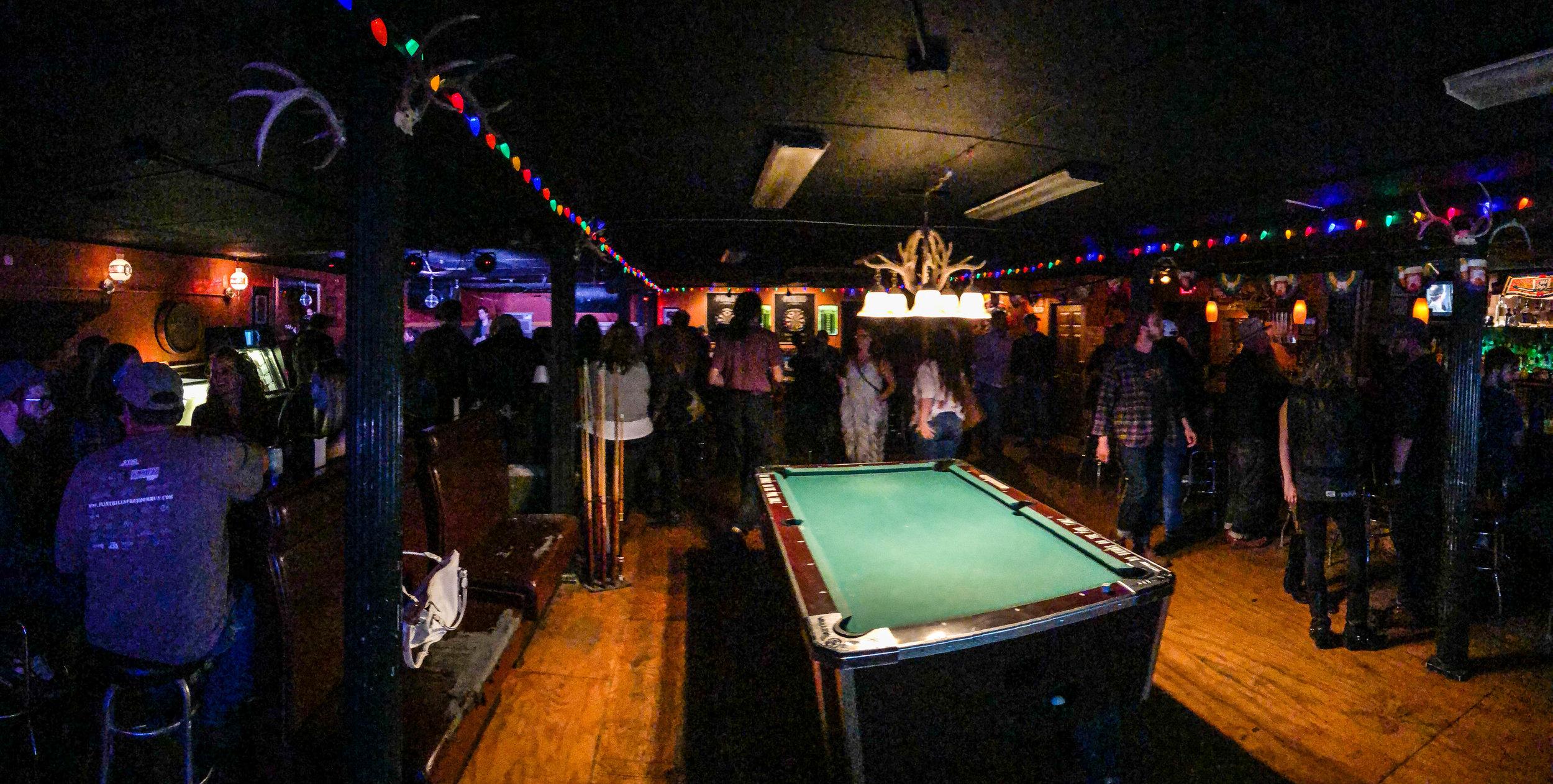 dee's-nashville-bars-nightlife-1.jpg