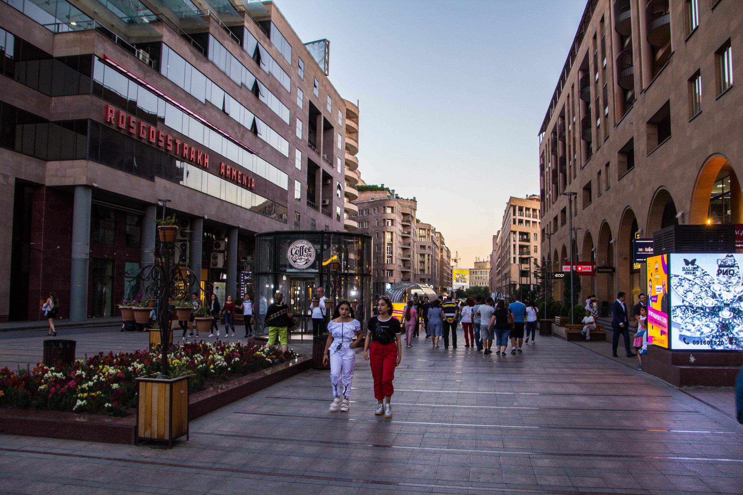 yerevan-armenia-streets-3-10.jpg