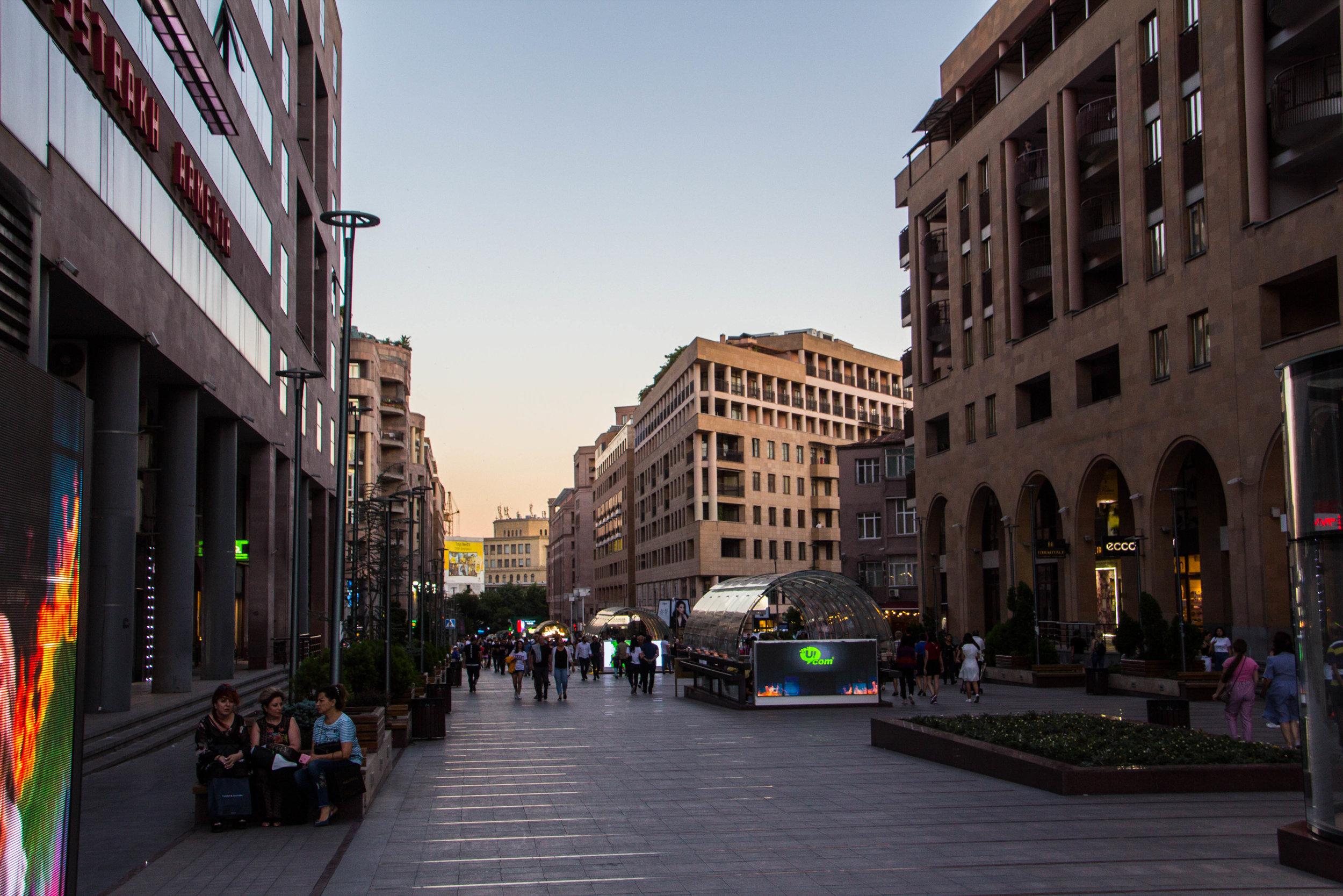 yerevan-armenia-streets-3-11.jpg