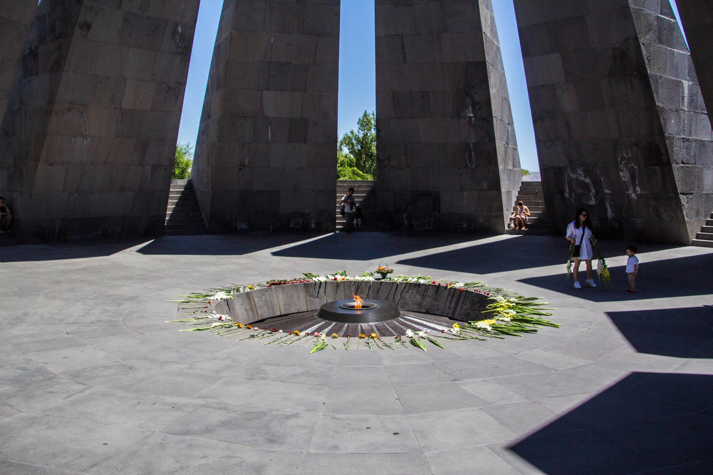 tsitsernakaberd-armenian-genocide-memorial-22.jpg