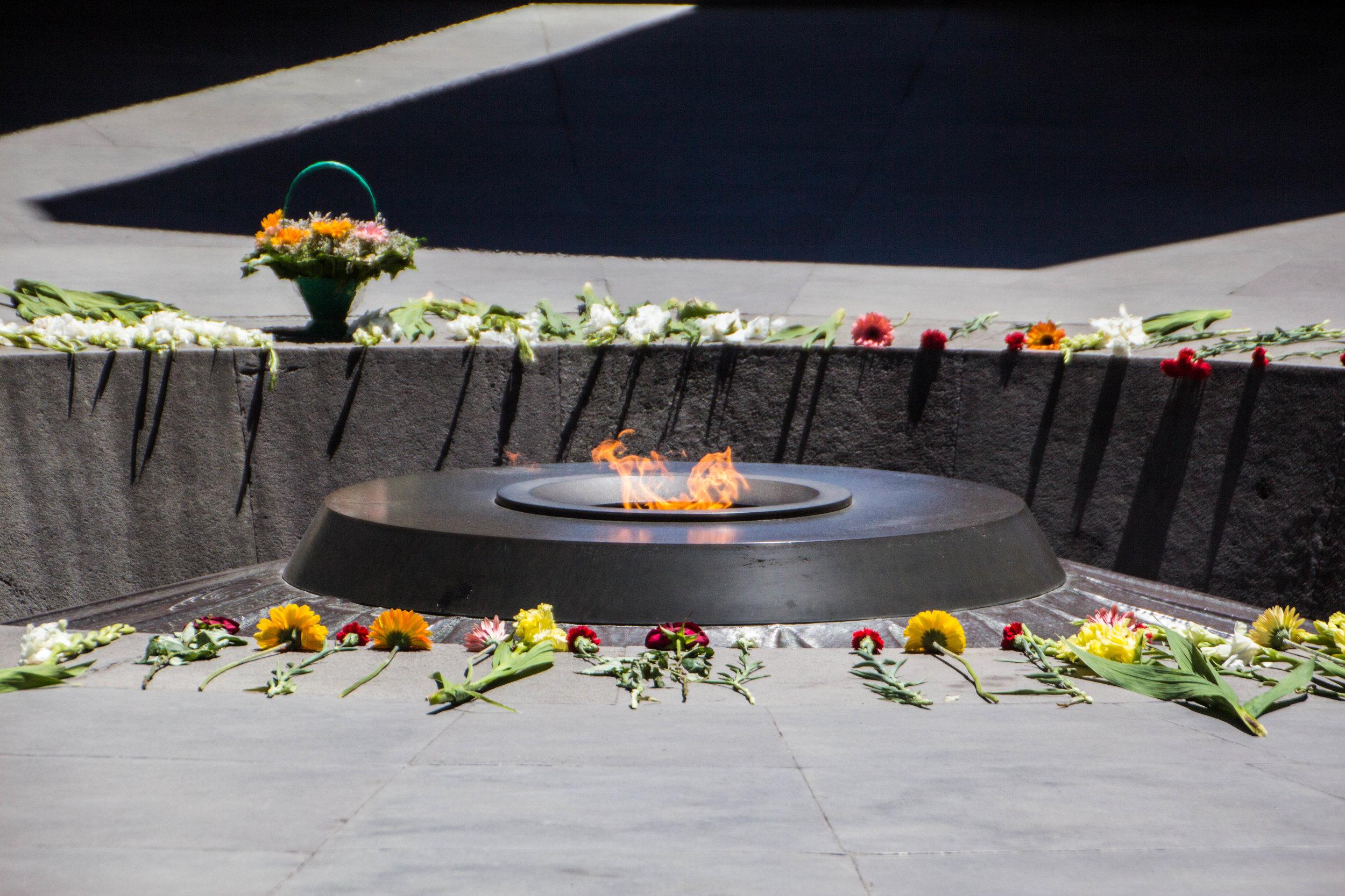 tsitsernakaberd-armenian-genocide-memorial-31.jpg