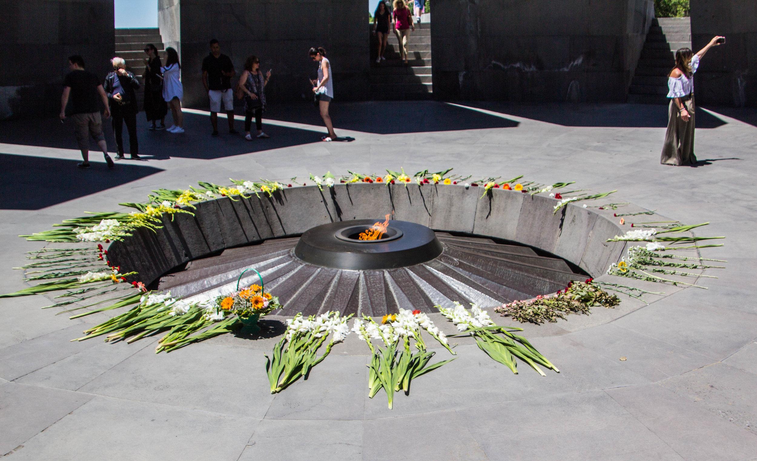 tsitsernakaberd-armenian-genocide-memorial-33.jpg