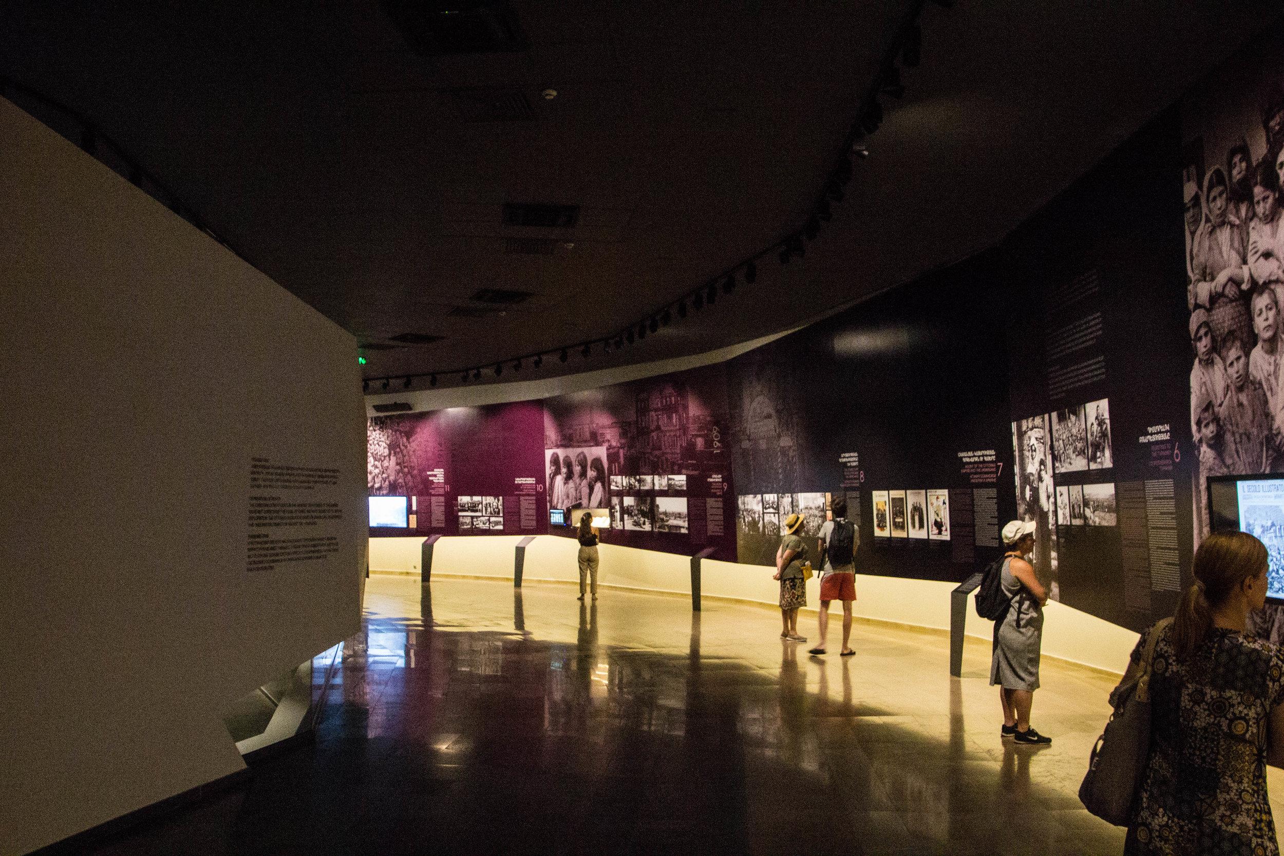tsitsernakaberd-armenian-genocide-memorial-6.jpg