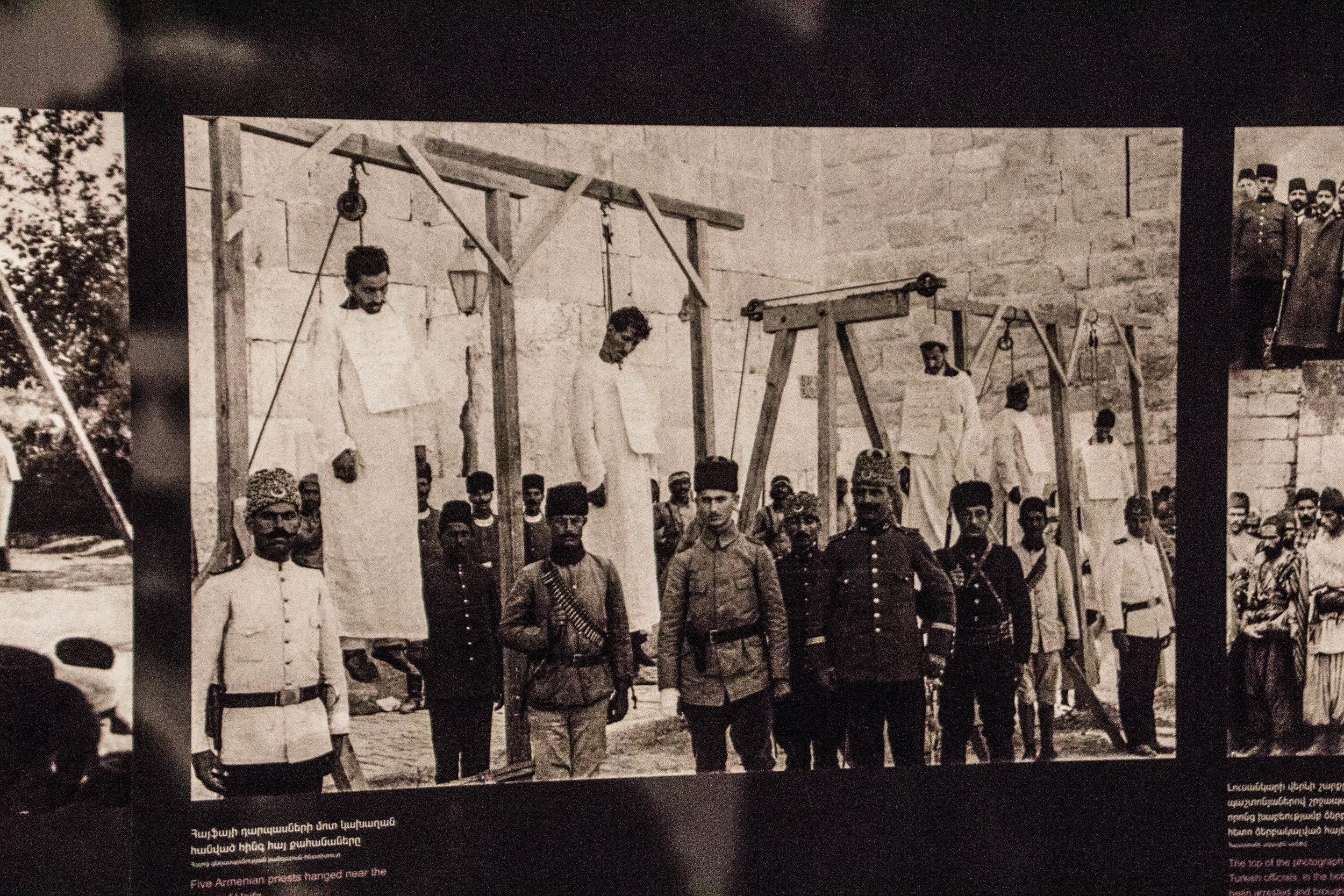 tsitsernakaberd-armenian-genocide-memorial-11.jpg