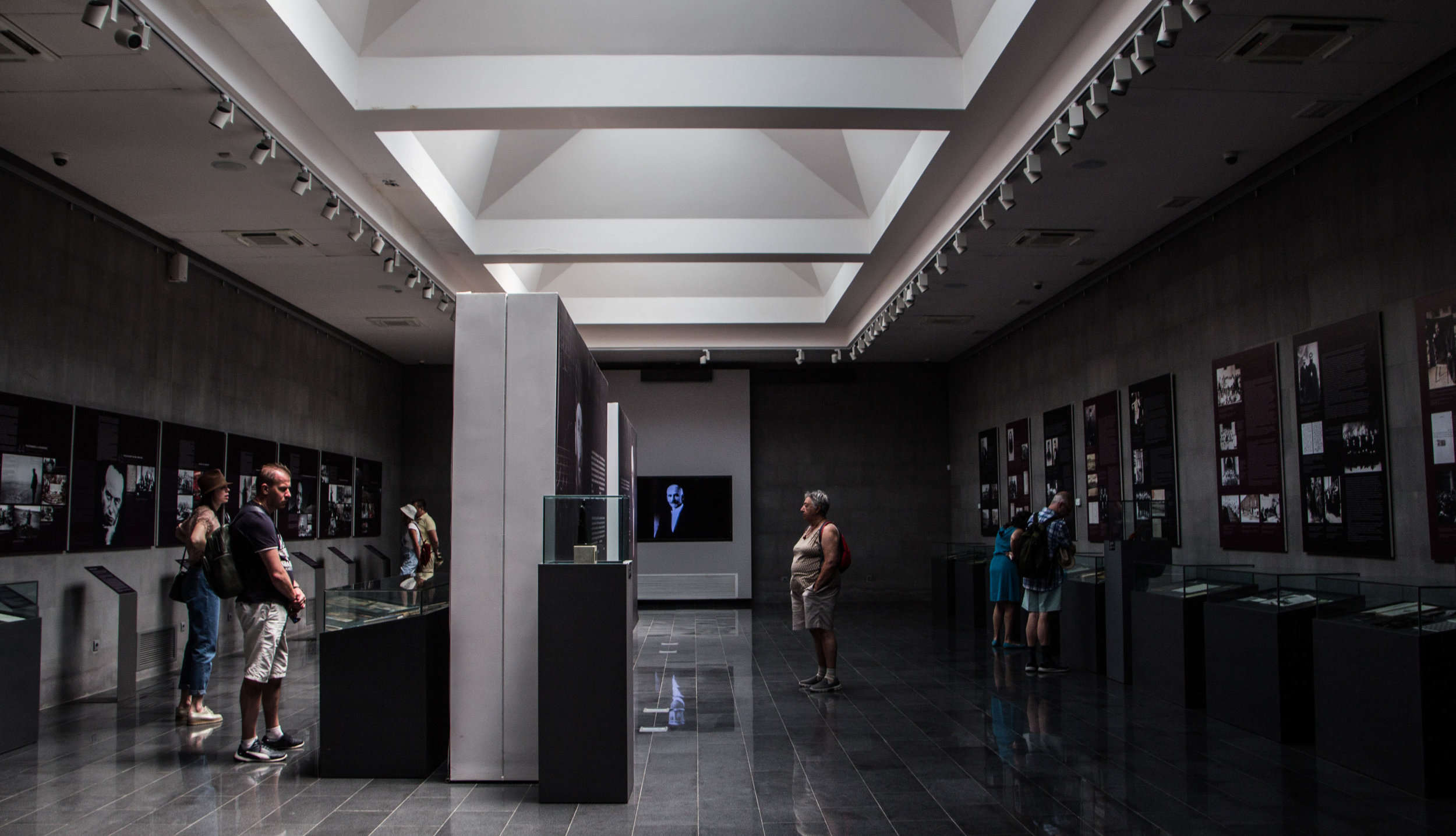 tsitsernakaberd-armenian-genocide-memorial-18.jpg