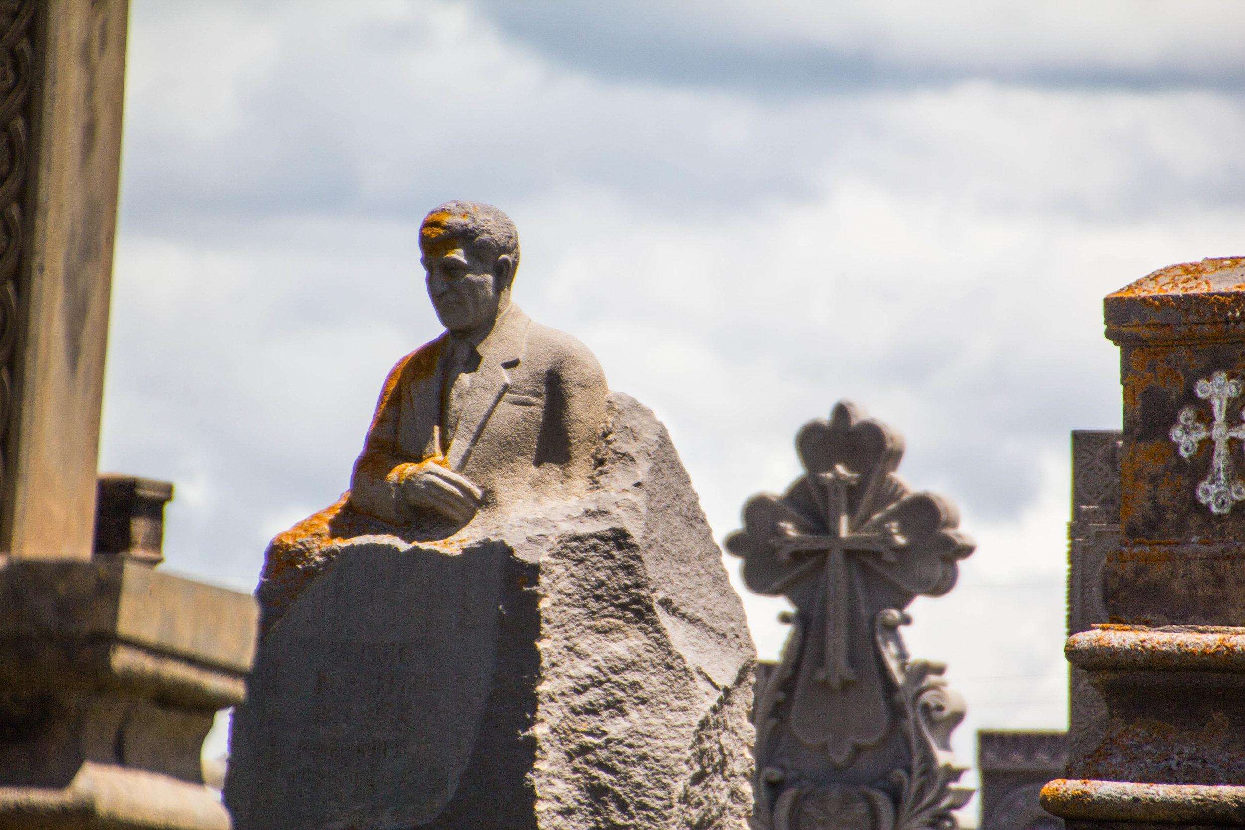 noratus-cemetery-armenia-2.jpg