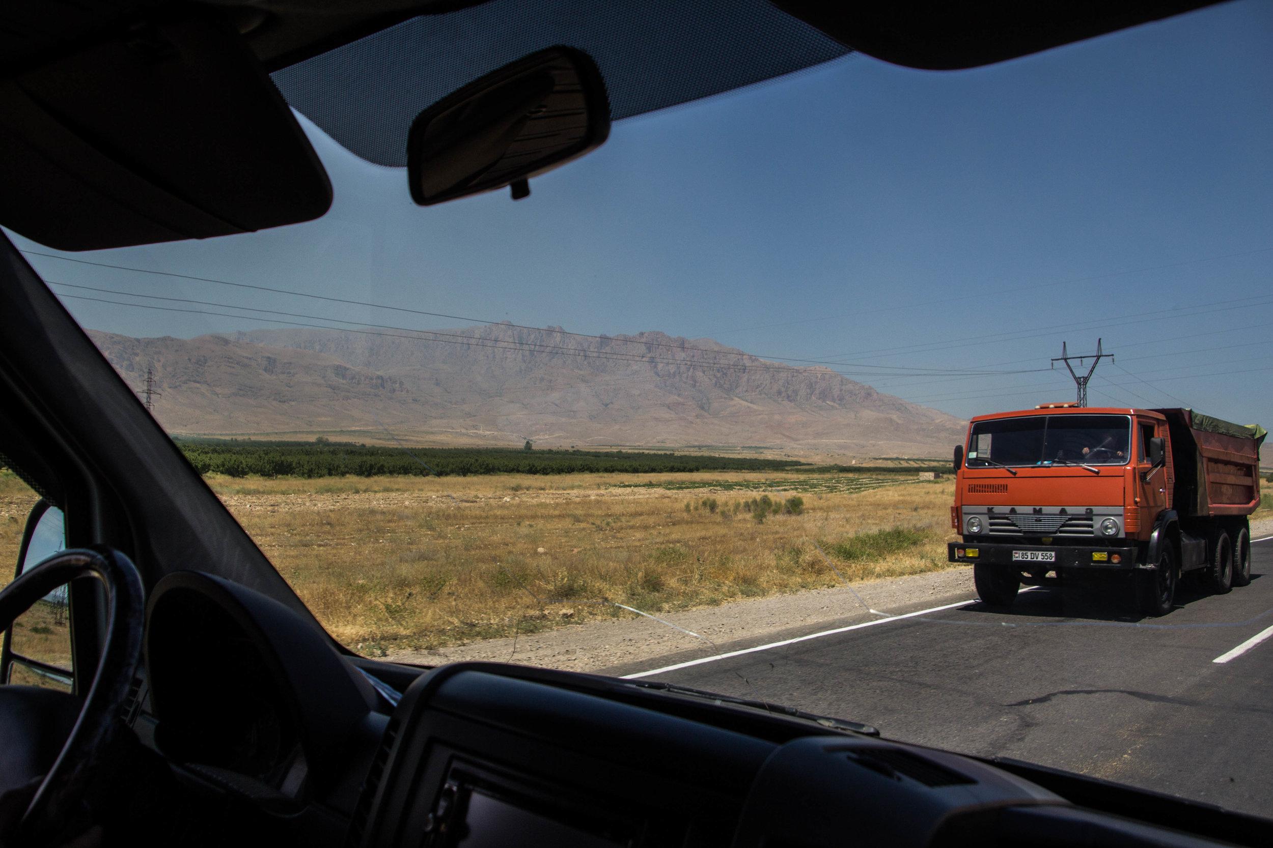 armenia-azerbaijan-southern-border-10.jpg