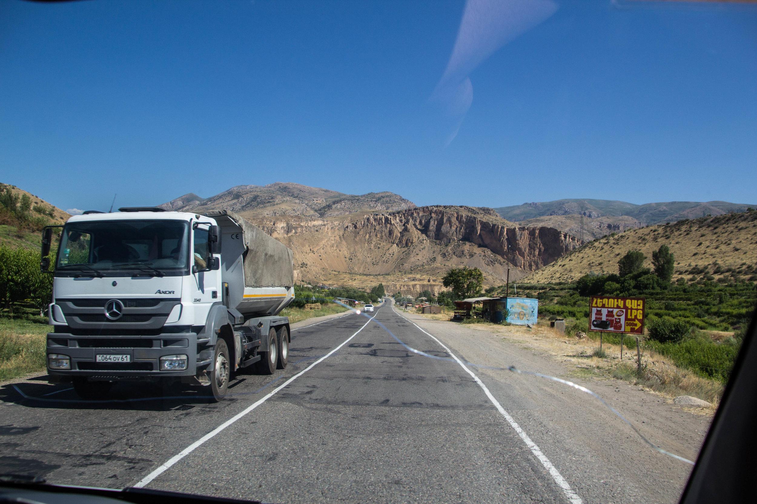 armenia-azerbaijan-southern-border-24.jpg