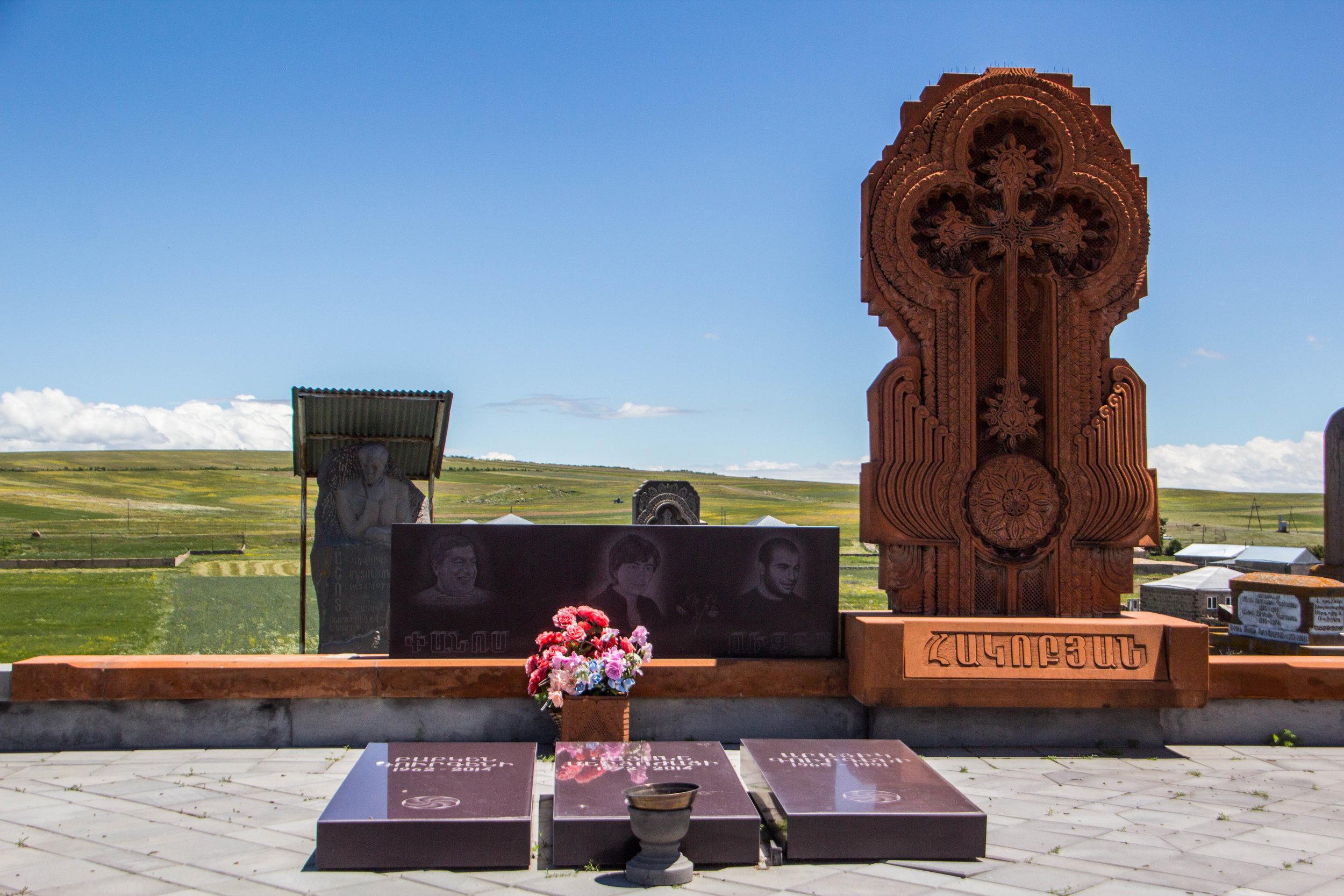 noratus-cemetery-armenia-19.jpg