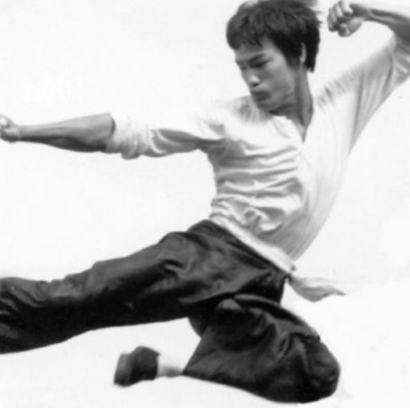 Bruce Lee  11/27